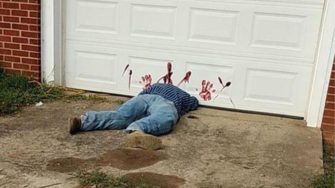Túl jól sikerült a lefejezetett holttestes halloweeni díszlet, sorra hívták a helyiek a rendőröket