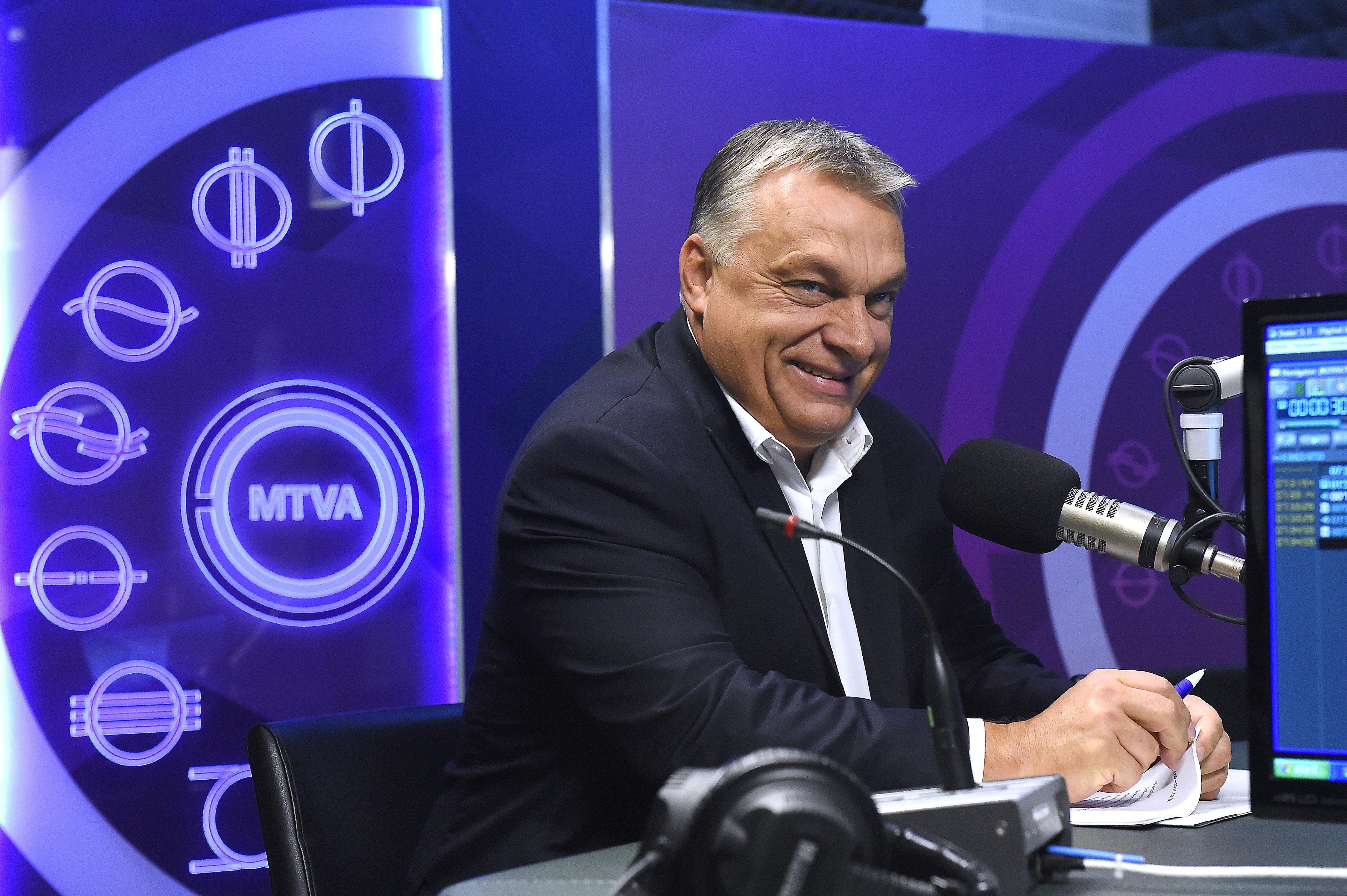 Mi lett a szabadságharccal? Orbán hirtelen sikerként értékeli, hogy az ország 2,5 milliárd eurónyi hitelt vesz fel