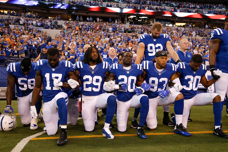 Ilyen még nem volt: politikai tiltakozás söpört végig az NFL-en