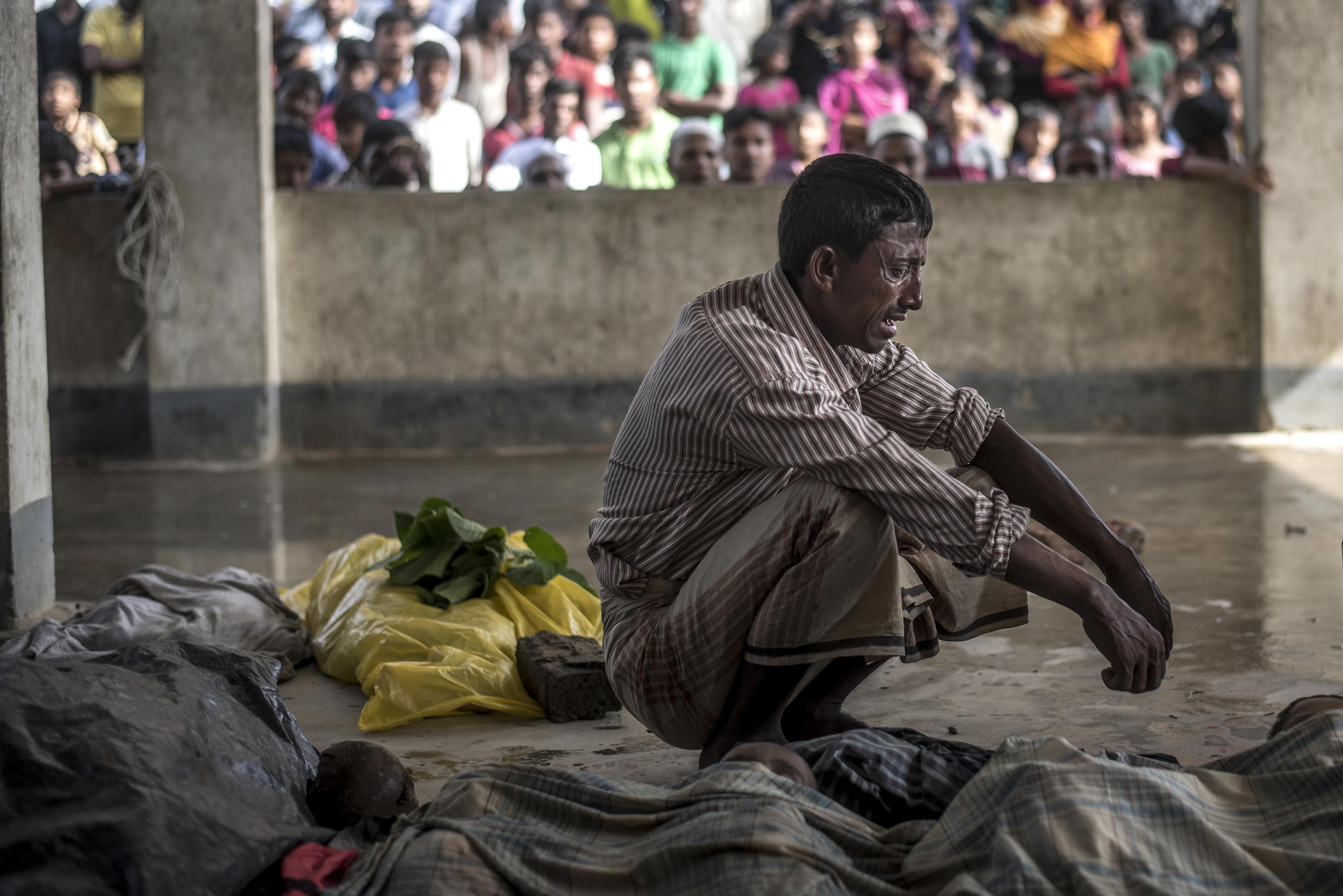 A világ egyik legnagyobb menekülttáborát építik Bangaldesben a rohingyáknak