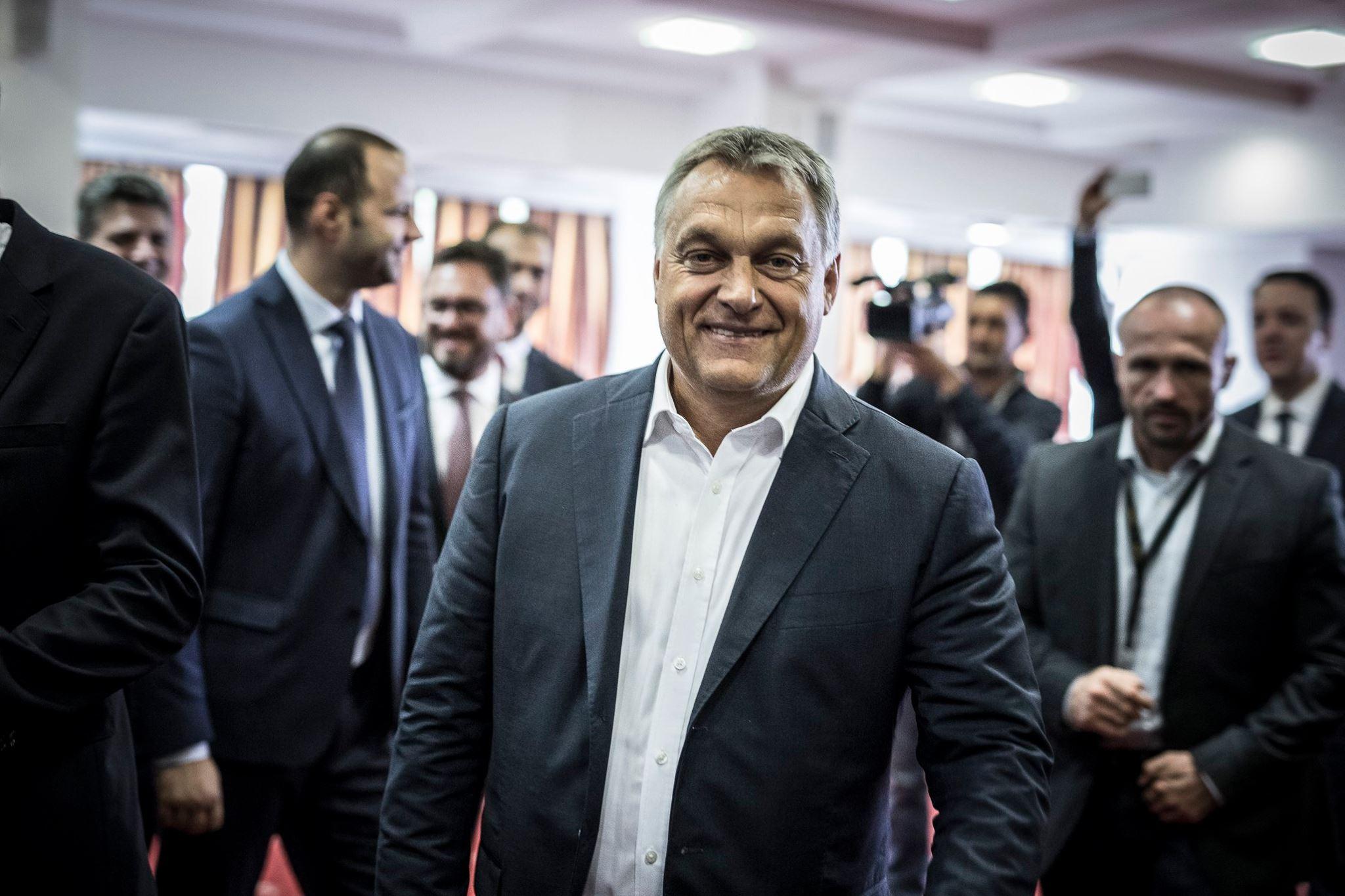 Jegyezzük meg a napot, amikor Orbán nyíltan kiállt az ostoba, rasszista erőszak mellett