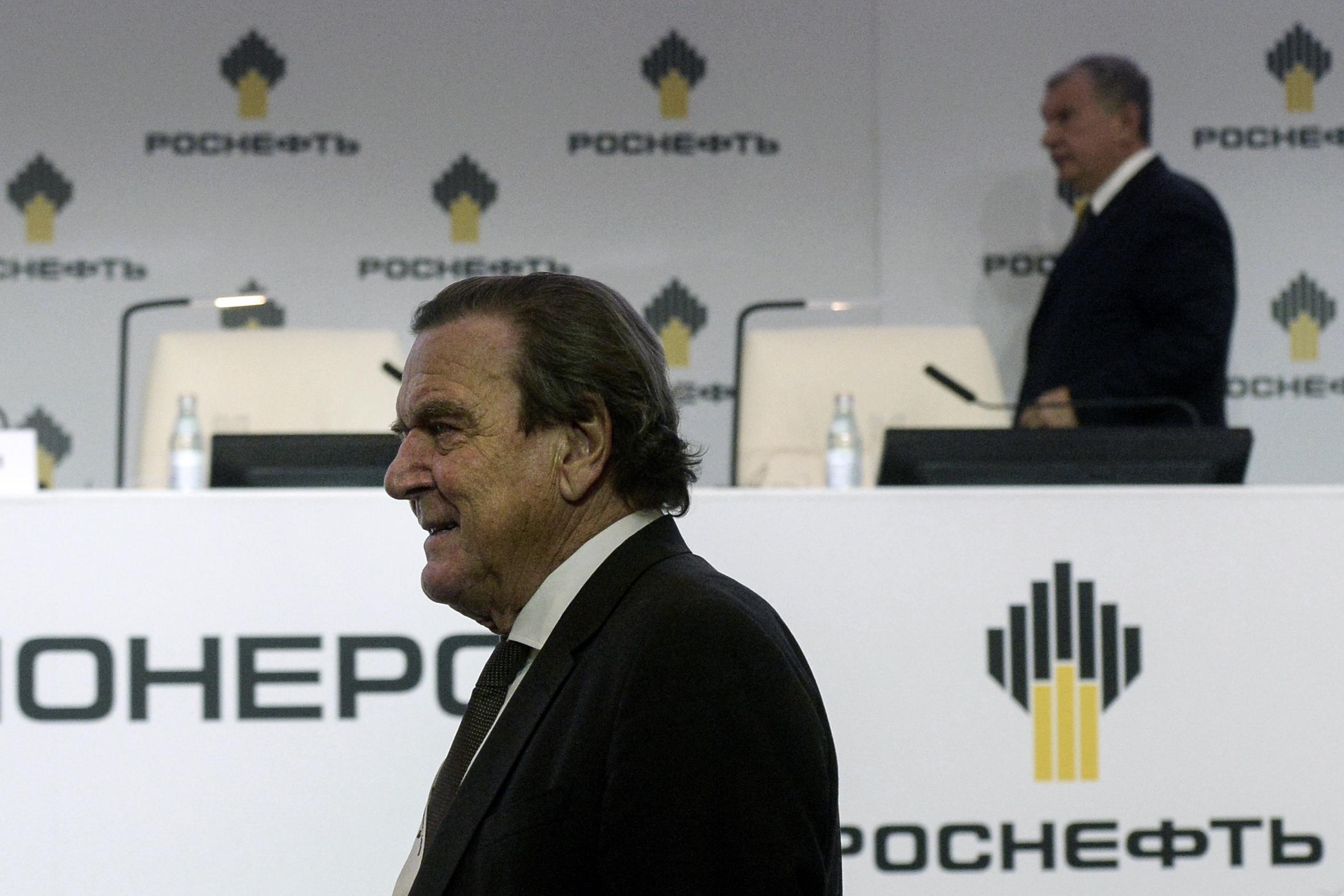 Gerhard Schröder lett a Rosznyefty igazgatótanácsának elnöke