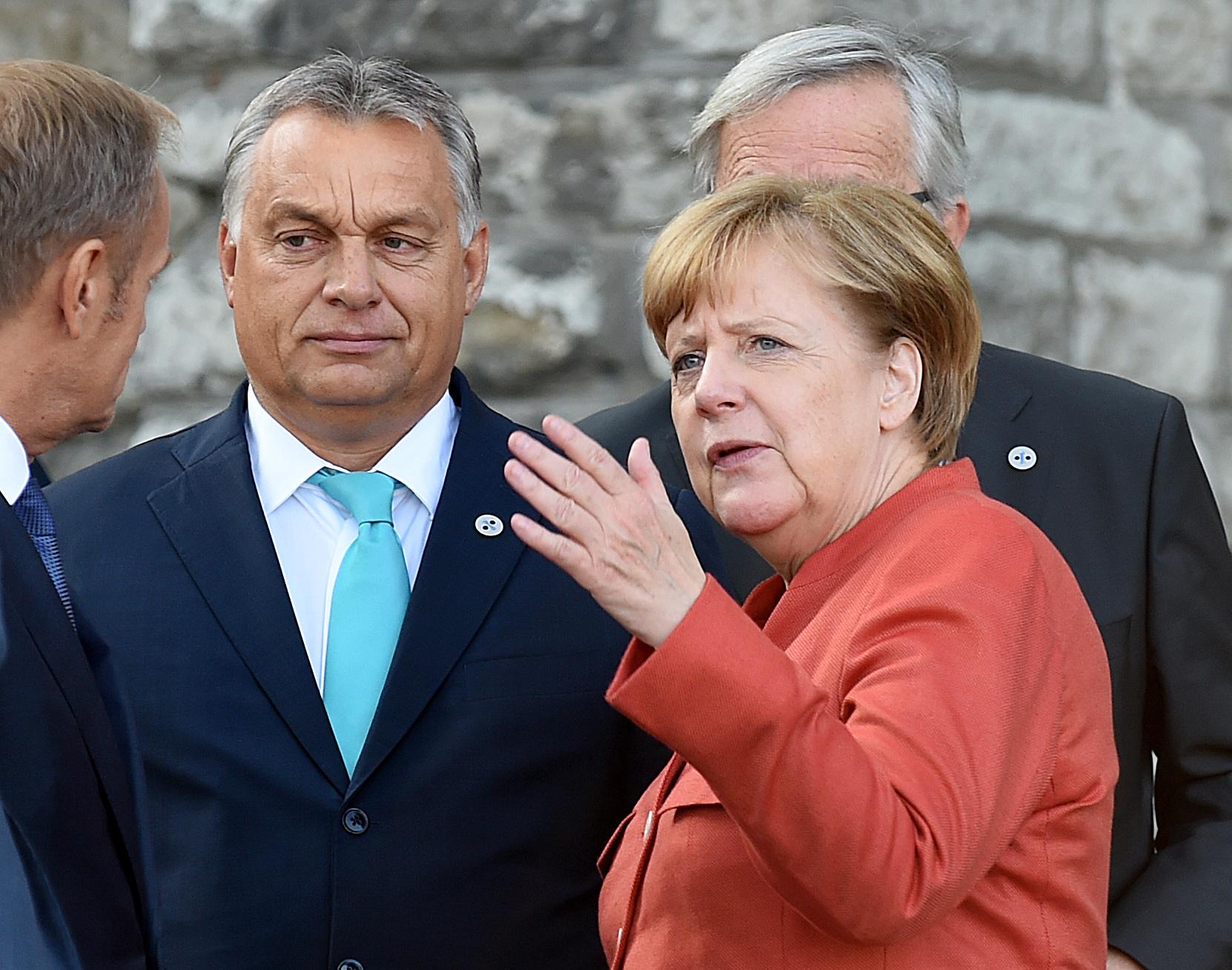 Merkel levelet kapott: Szégyen, hogy hallgat, miközben Orbán lebontja a magyar demokráciát