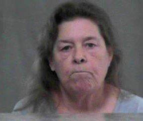 Elfogtak egy amerikai nagymamát, mert drogot csempészett az unokájának a börtönbe