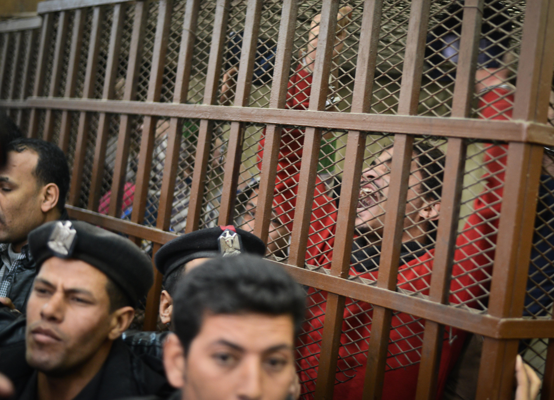 Kényszer-végbélvizsgálattal vadásznak melegekre az egyiptomi hatóságok