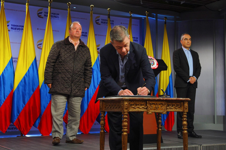 Az utolsó kolumbiai lázadócsoport is tűzszünetet hirdetett