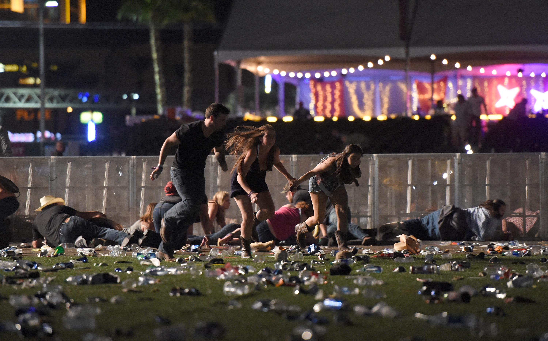 A Las Vegas-i merénylő a szálloda egyik őrére lőtt először