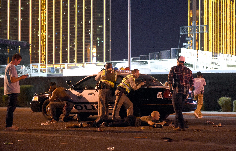 Ballisztikai számításokat találtak Stephen Paddock Las Vegas-i hotelszobájában