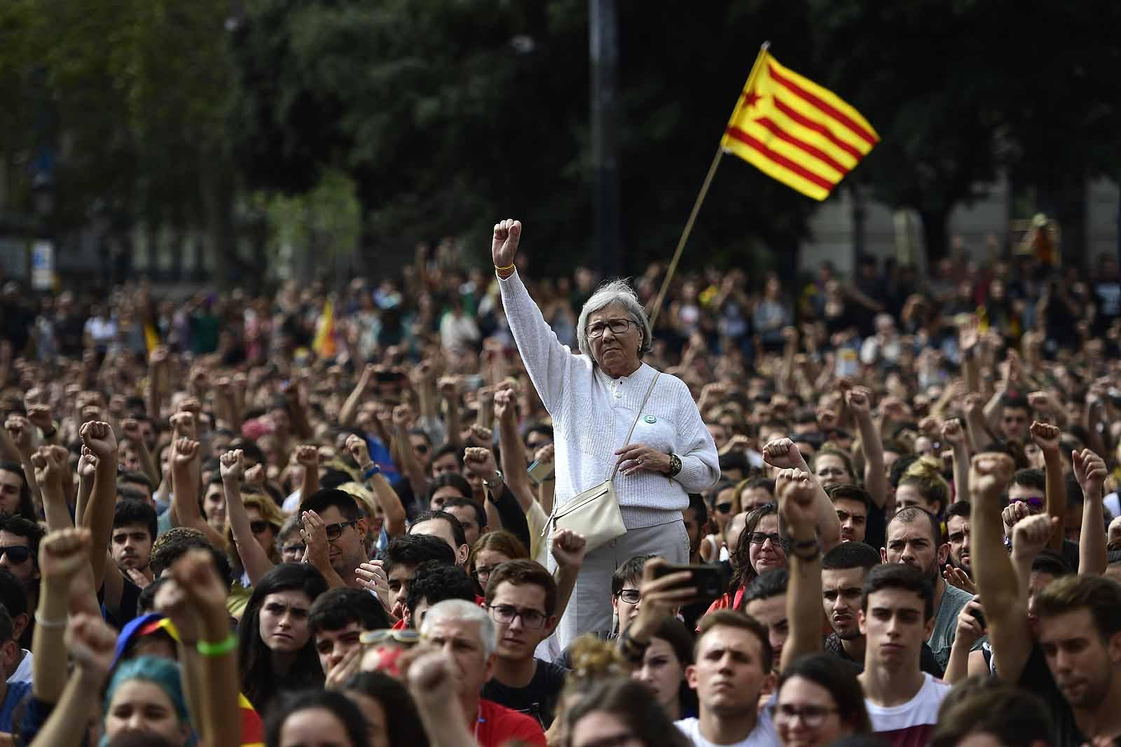 Lejárt a katalánoknak adott spanyol ultimátum