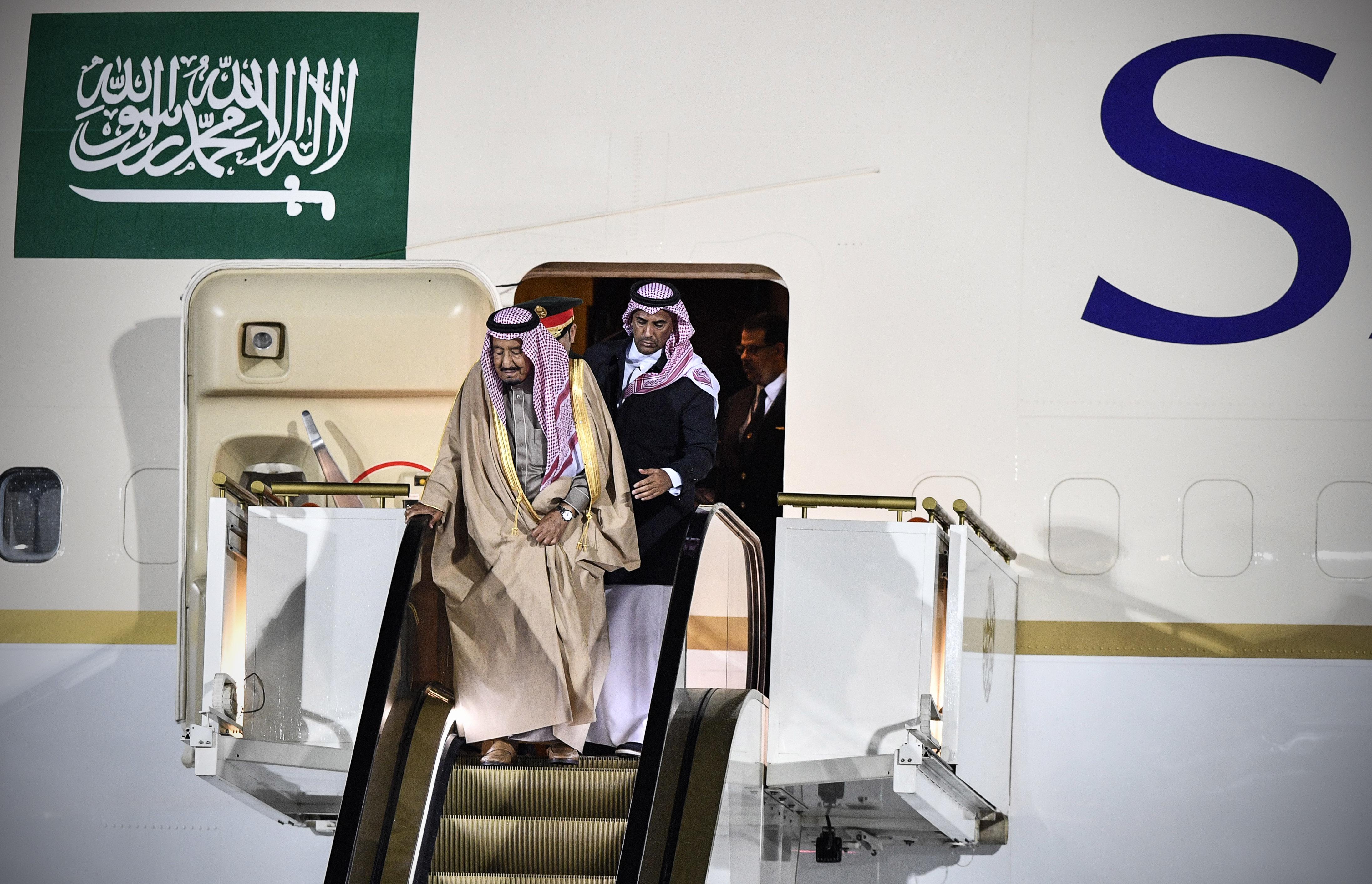 Feladta a szaúdi király arany mozgólépcsője