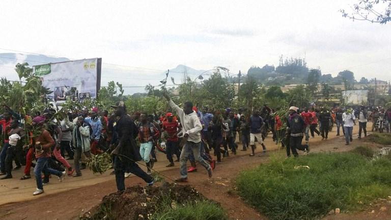 Helikopterről lőtték a függetlenségért tüntető angol anyanyelvű kameruniakat