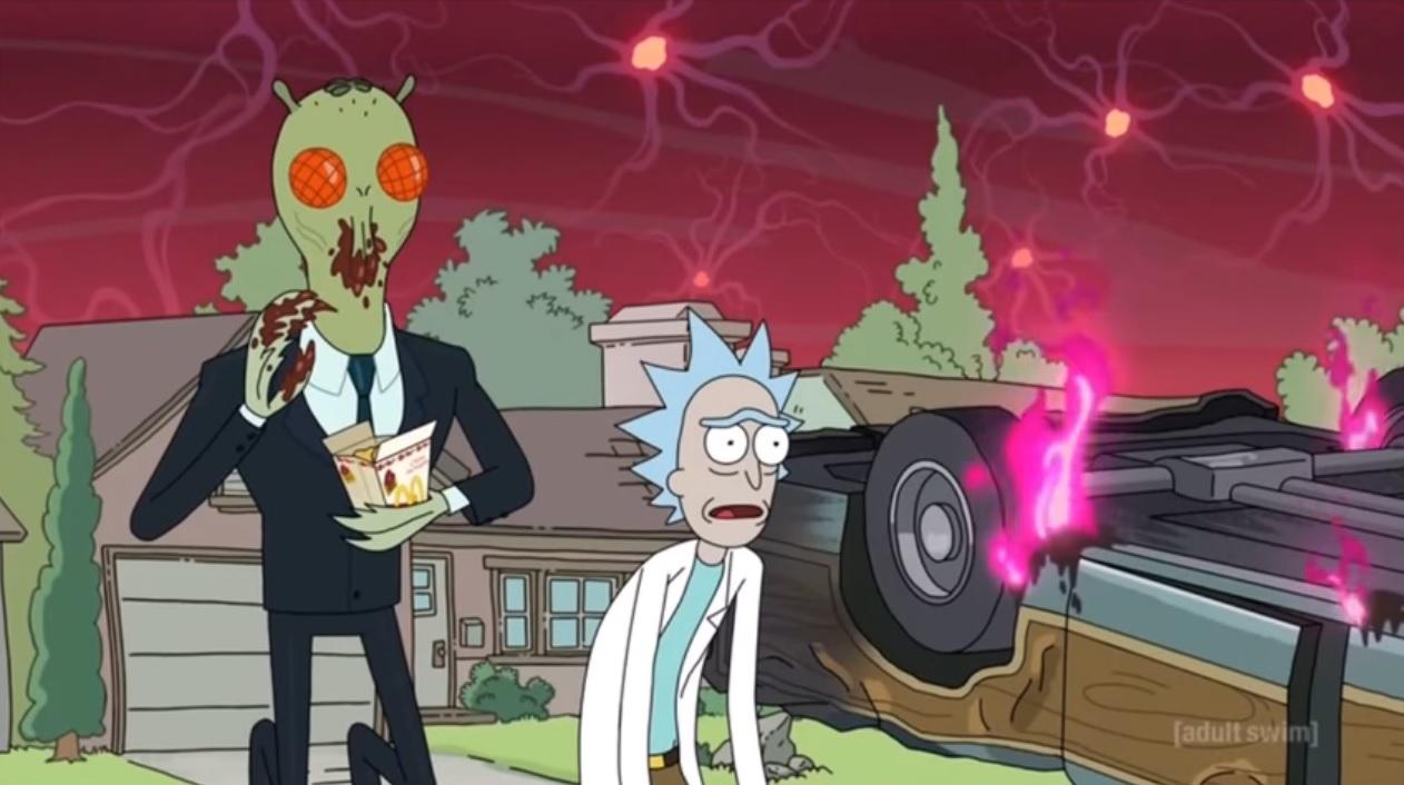 A McDonald's előtt tüntettek a Rick and Morty rajongói, mert nem kaptak elég Mulan-szószt