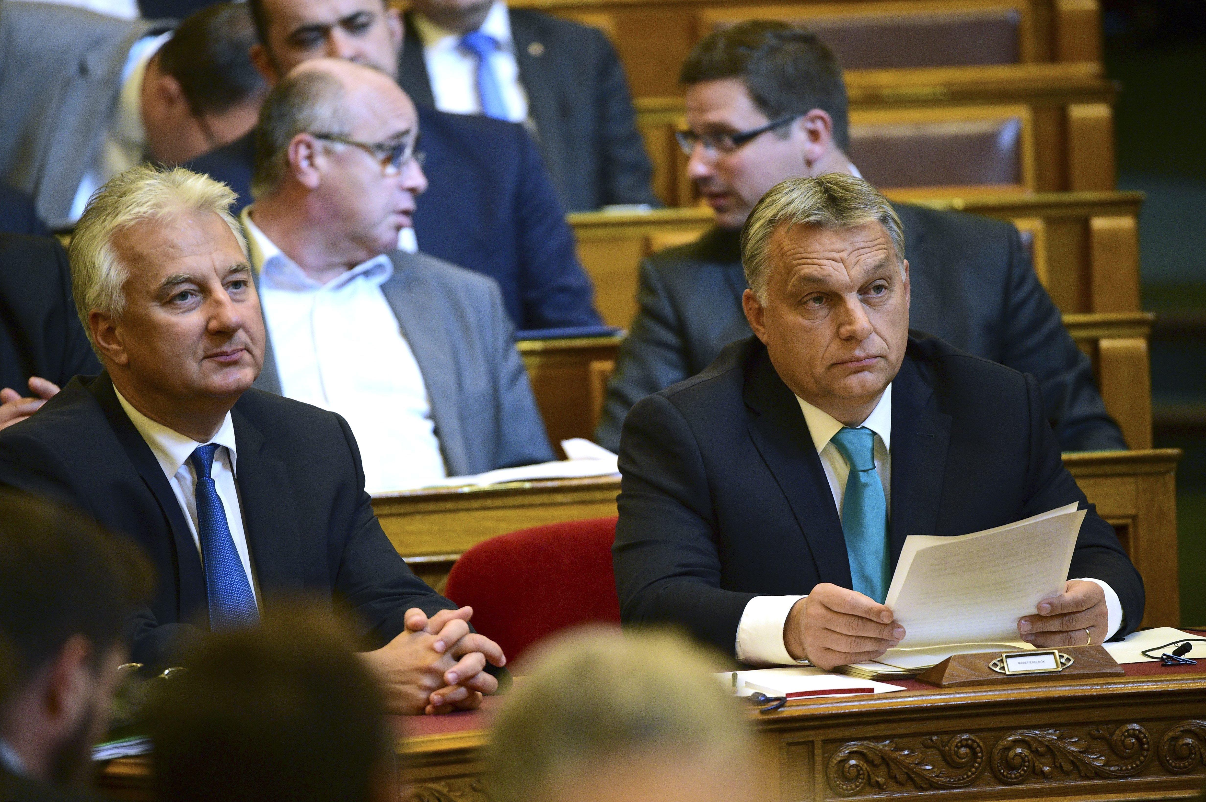 Orbán szerint Vonáék bénák, Szél Bernadett meg a Soros-hálózat tagja volt