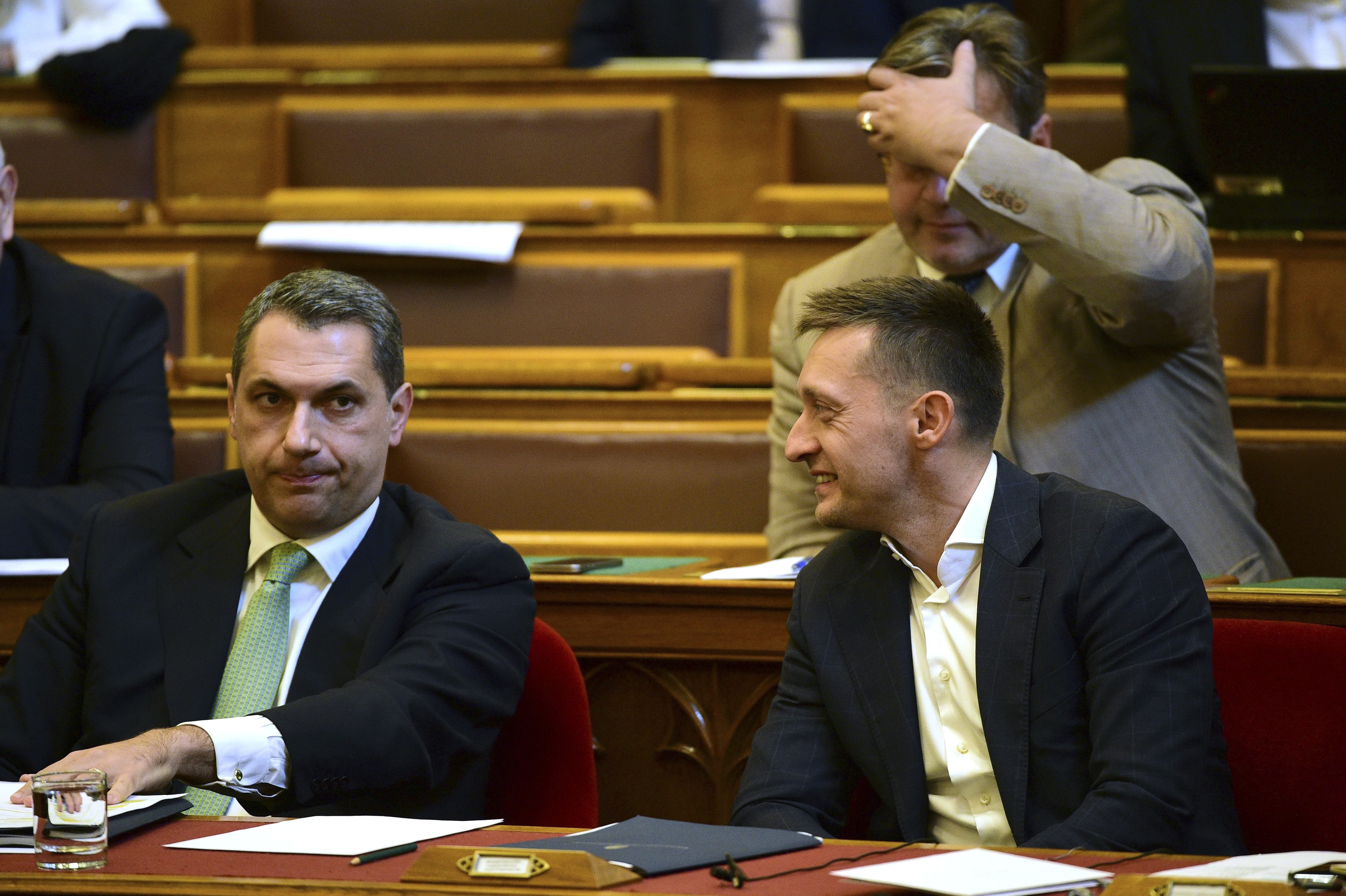 Lázár állítólag rámozdult a Szerencsejáték Zrt. részvényeire, amitől Rogán Antal nem lett túl boldog
