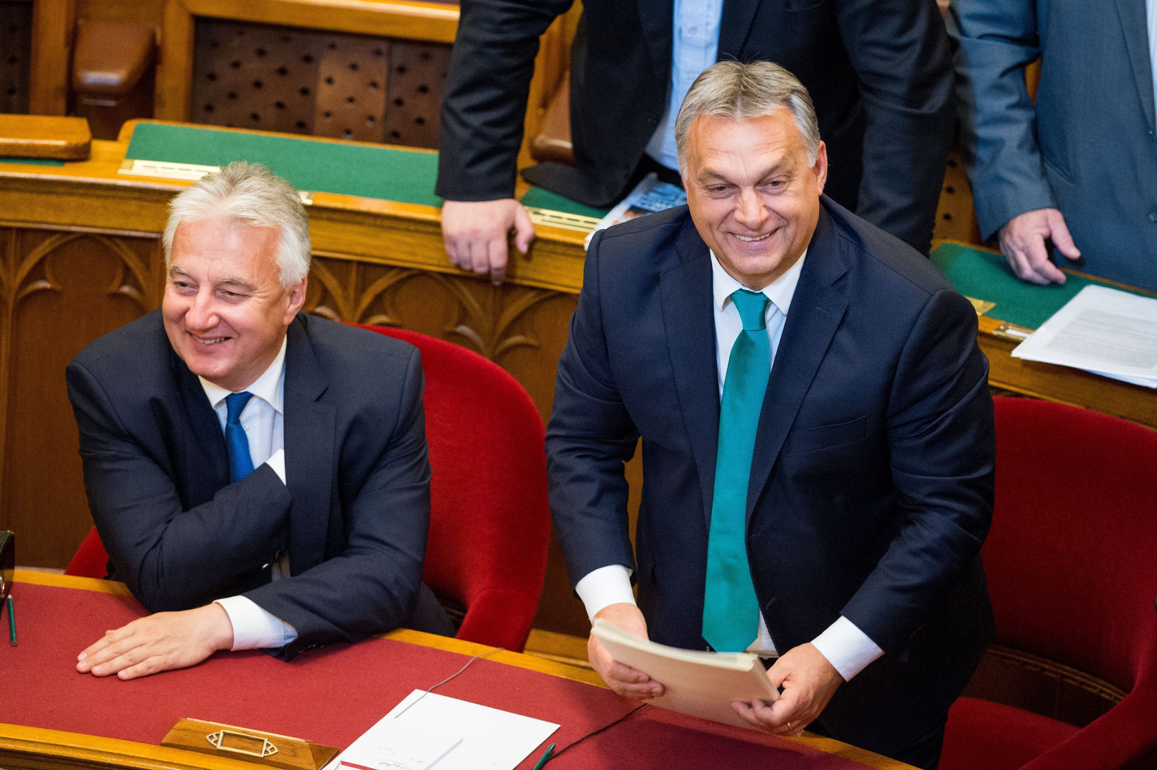 Fidesz: A képviselők fizetése 18,5 százalékkal, az általuk vállalt munkával arányosan nő