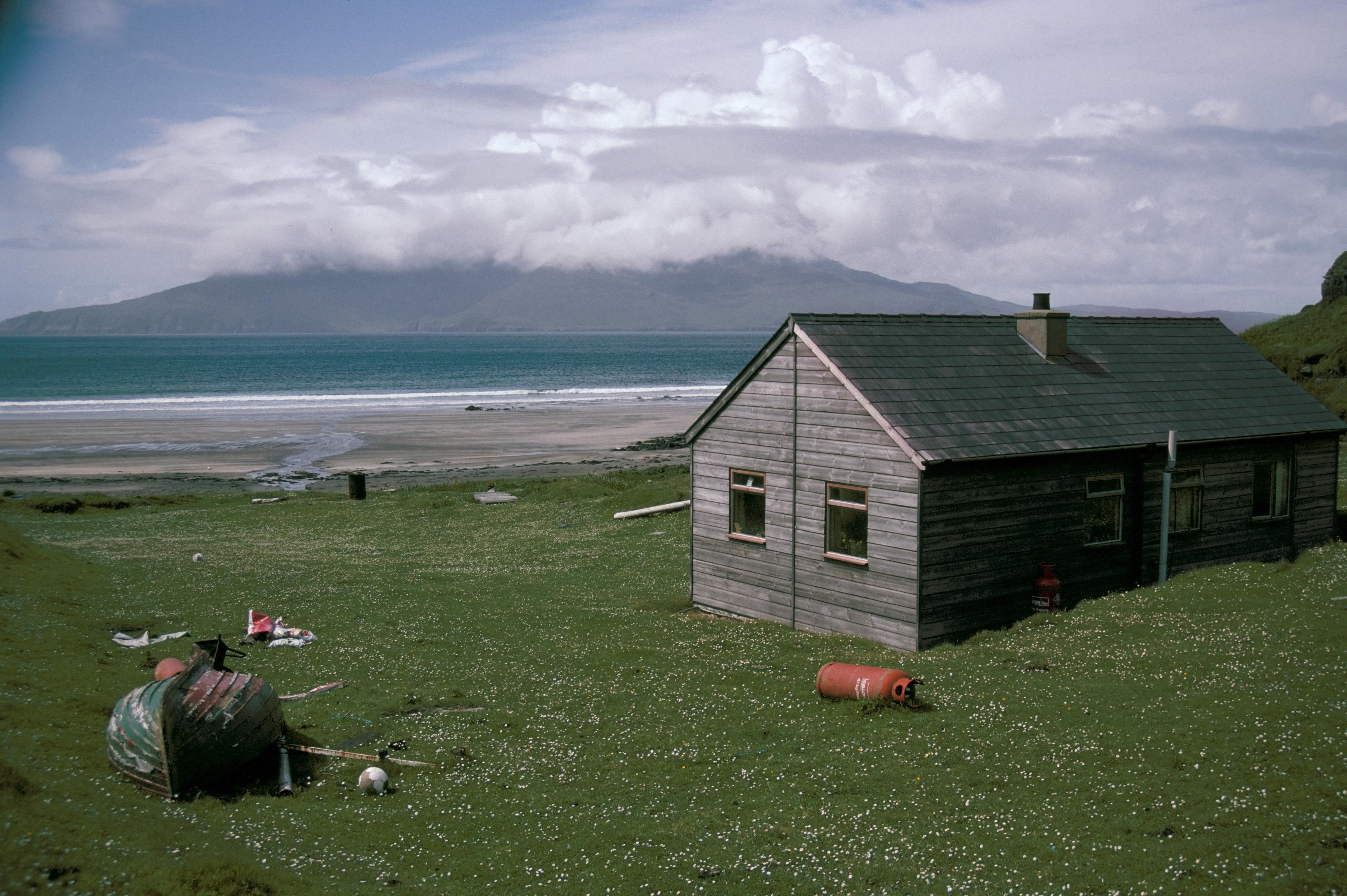 Virágzik a legzöldebb skót sziget, amit 20 éve vettek közösségi tulajdonba a helyiek
