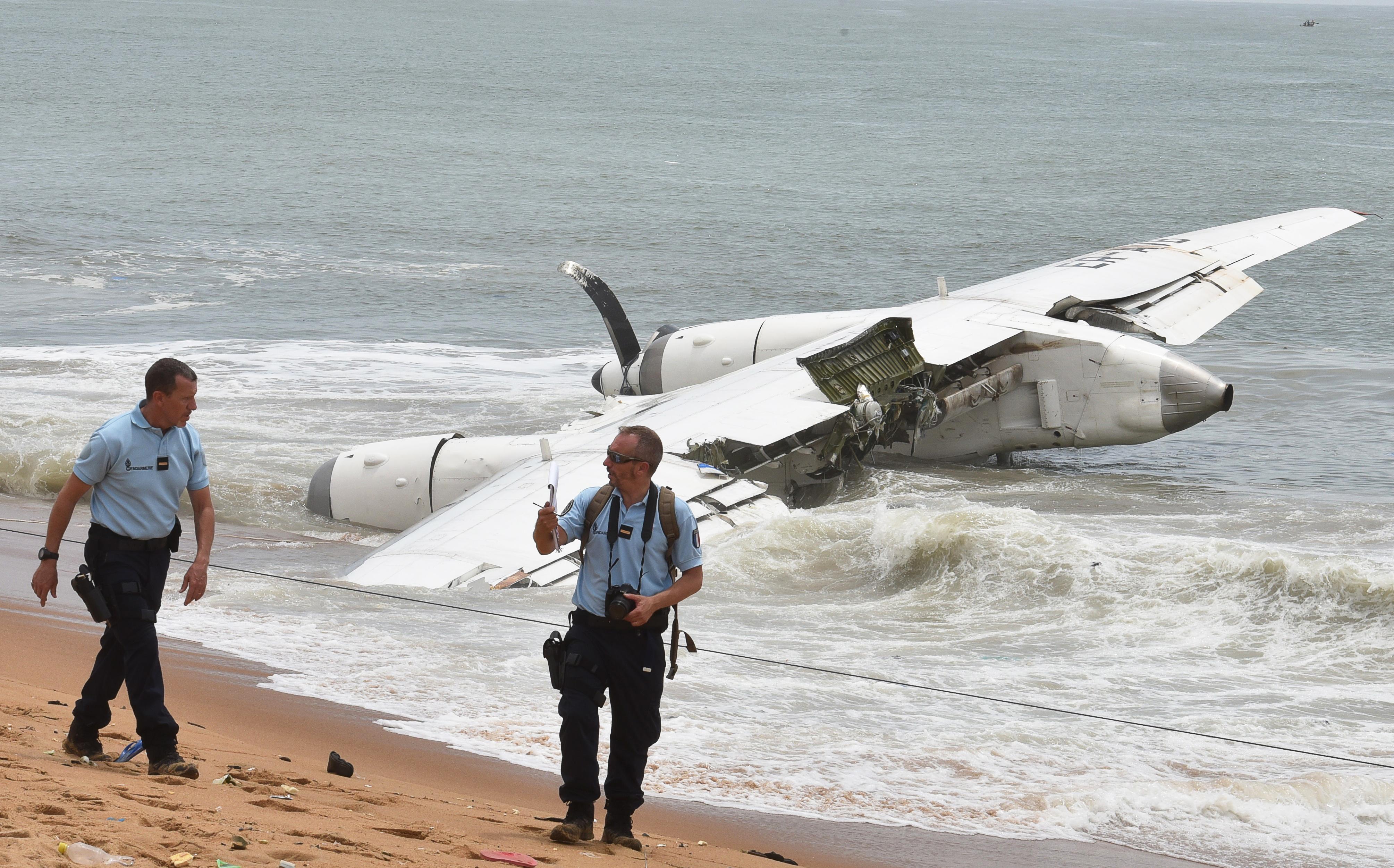 Lezuhant egy repülő Elefántcsontpartnál, négy halott