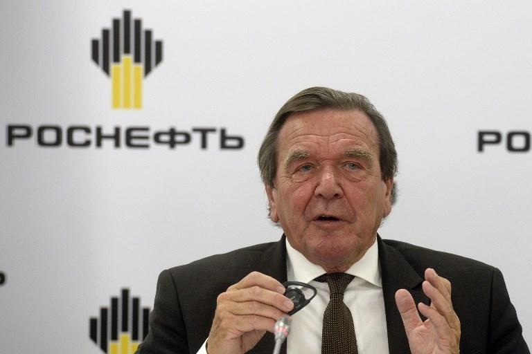 Ukrajna szankciókat sürget Gerhard Schröder ellen