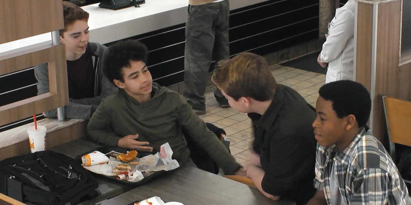 Nincs rendben, ha a bullyingolt hamburgered miatt tiltakozol, de egy bullyingolt fiatal miatt nem