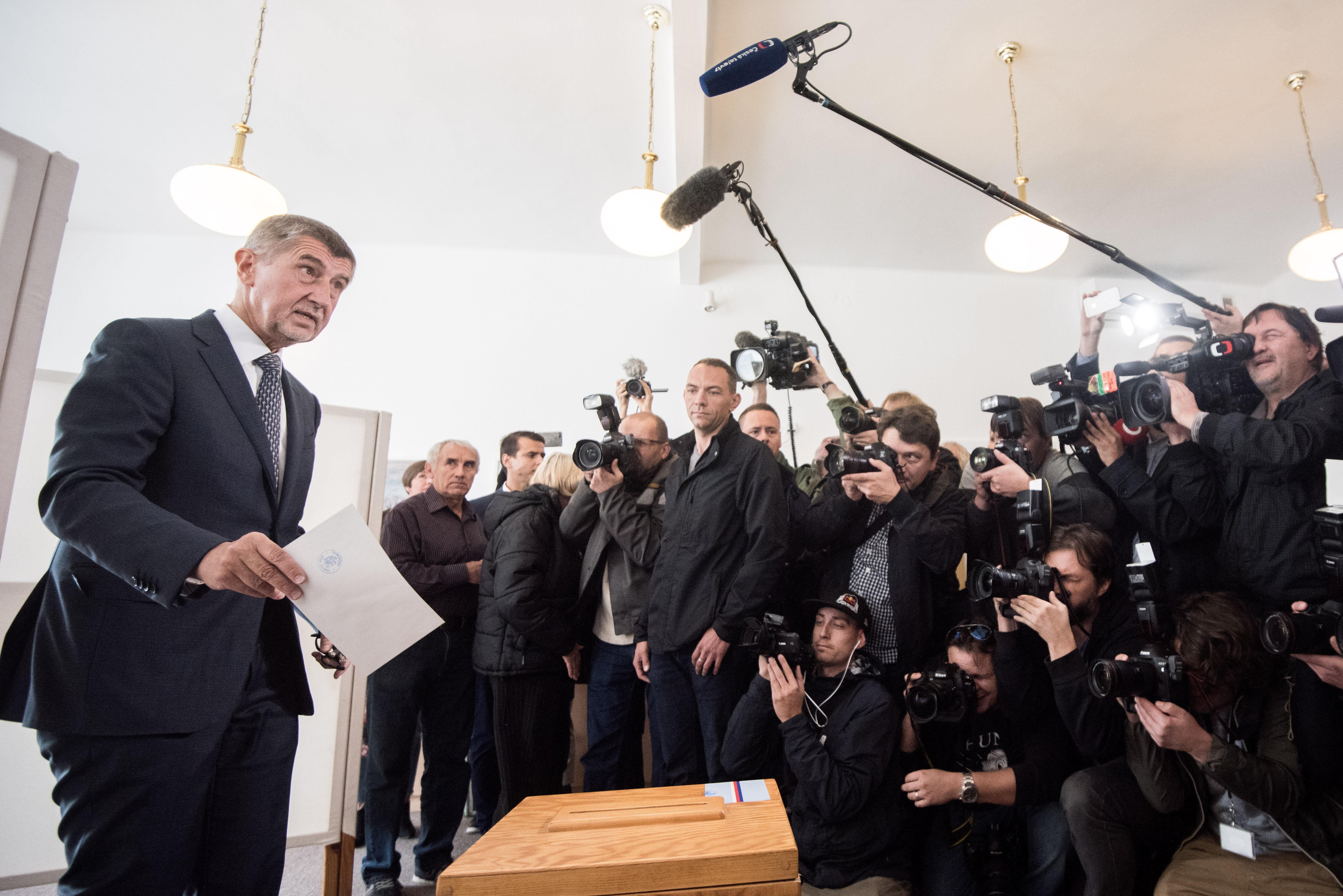 Meglepetés a cseh választáson: Nagy fölénnyel nyert az ANO