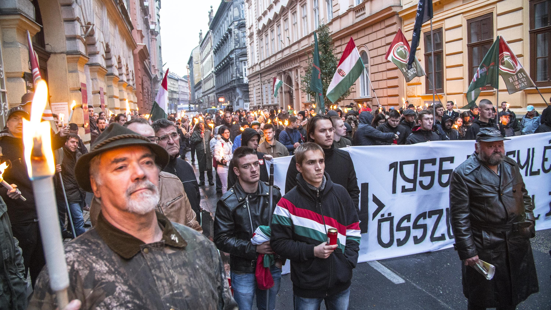 Tüntetés a Jobbikkal: kiállás a jogállam mellett, vagy a korrupt oligarcharendszer támogatása?