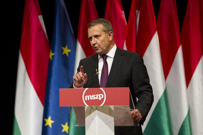 Molnár Gyula a legesélyesebb a körzetében, de ha mindenki más visszalépne, még akkor is a Fidesz nyerne