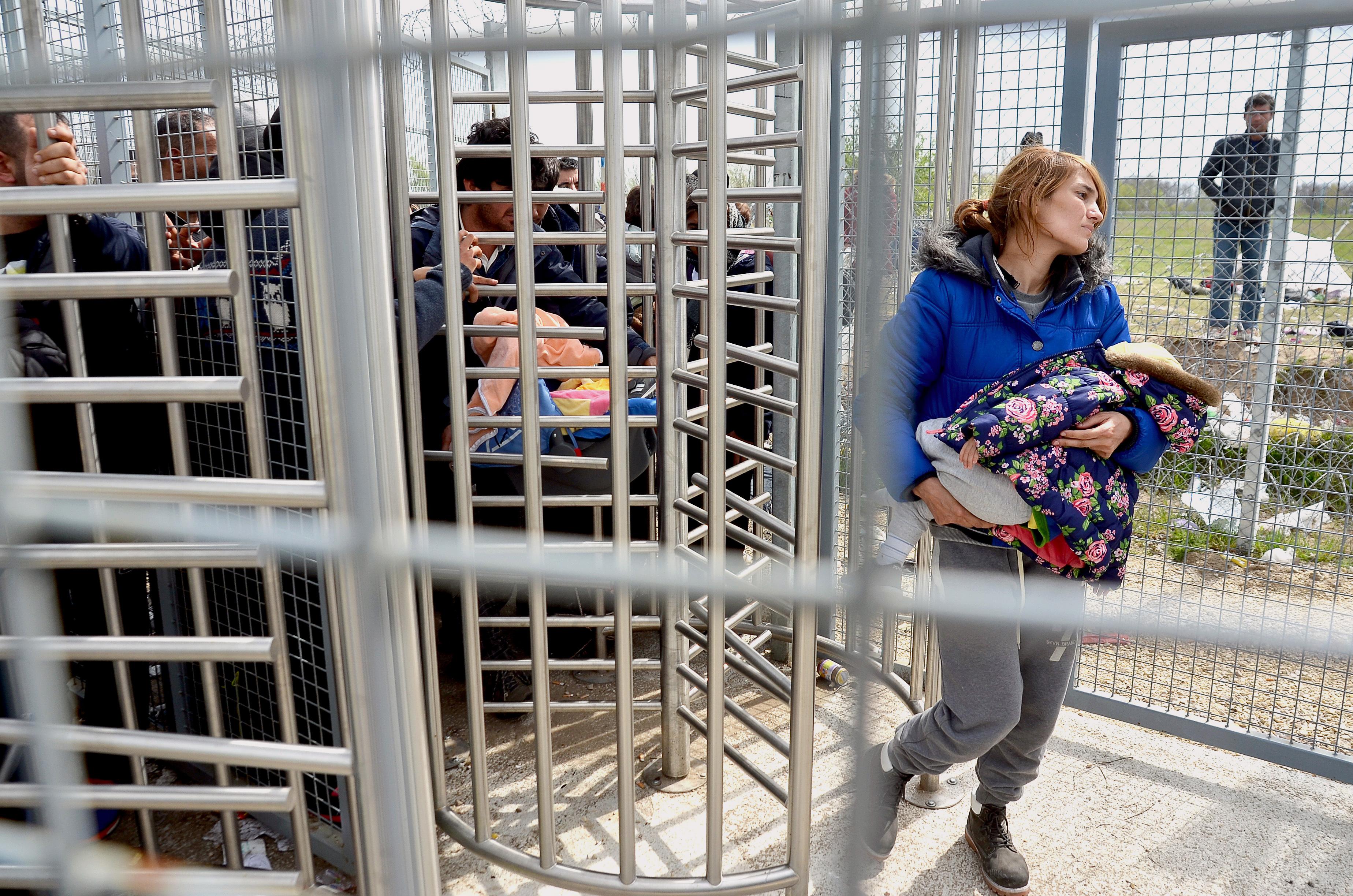 Ami elsőre a jogvédők nagy győzelmének tűnt, abból a menedékjog teljes kiüresítése lett