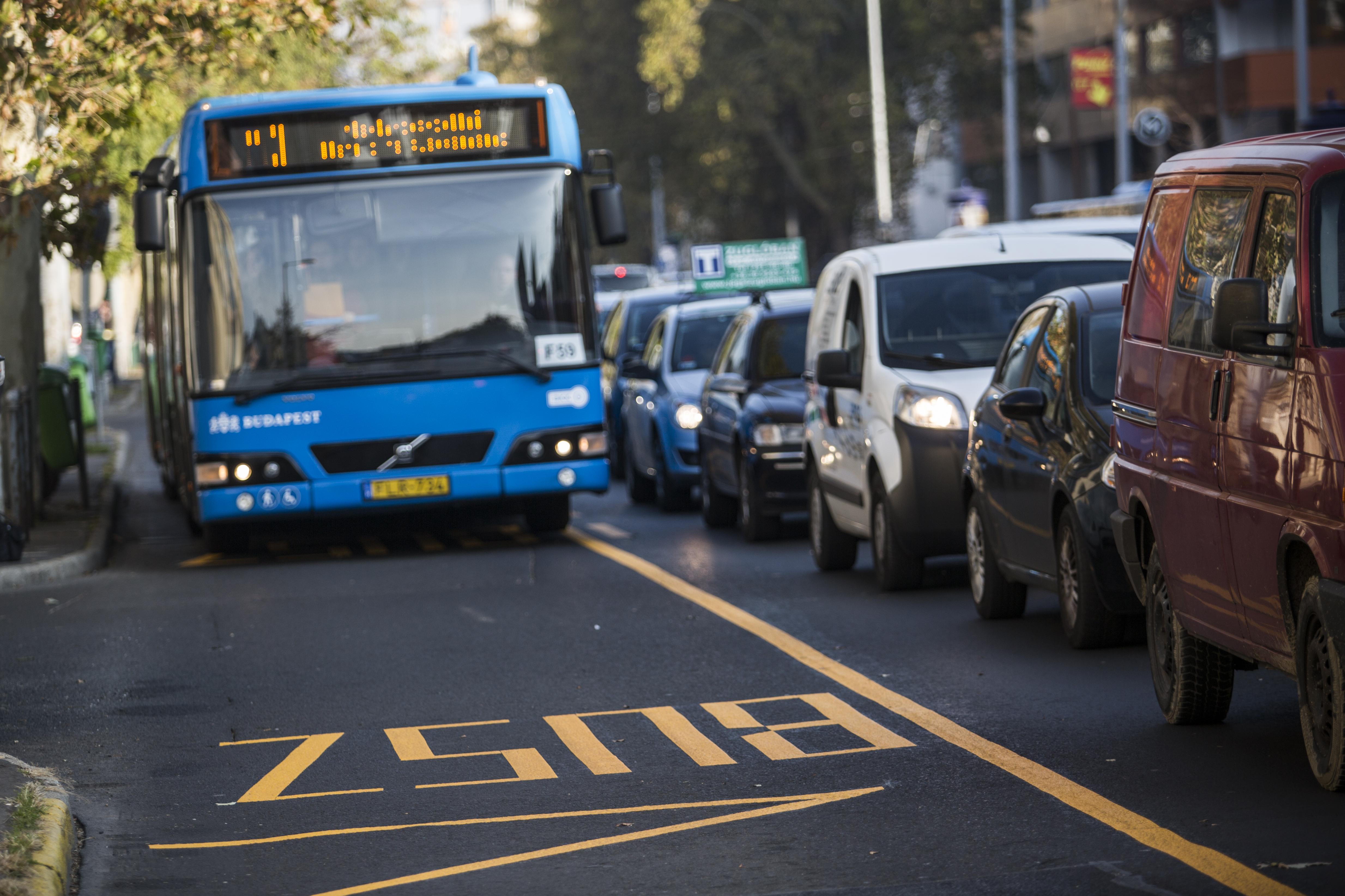 Szombattól nemcsak parkolóhely nem lesz Budapesten, de 3-as metró sem