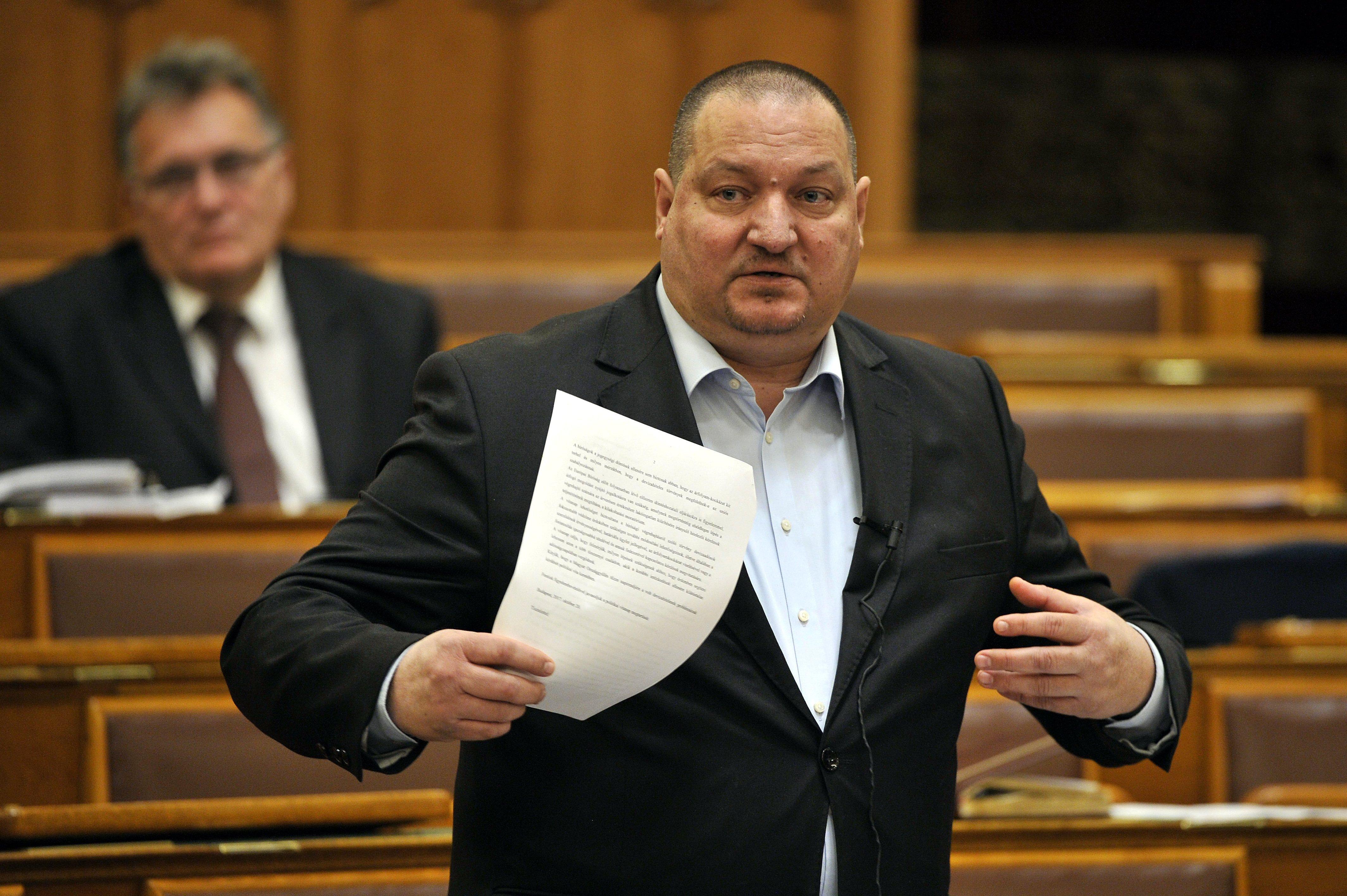 Kivonult a Fidesz a nemzetbiztonsági bizottság üléséről Szél Bernadett miatt