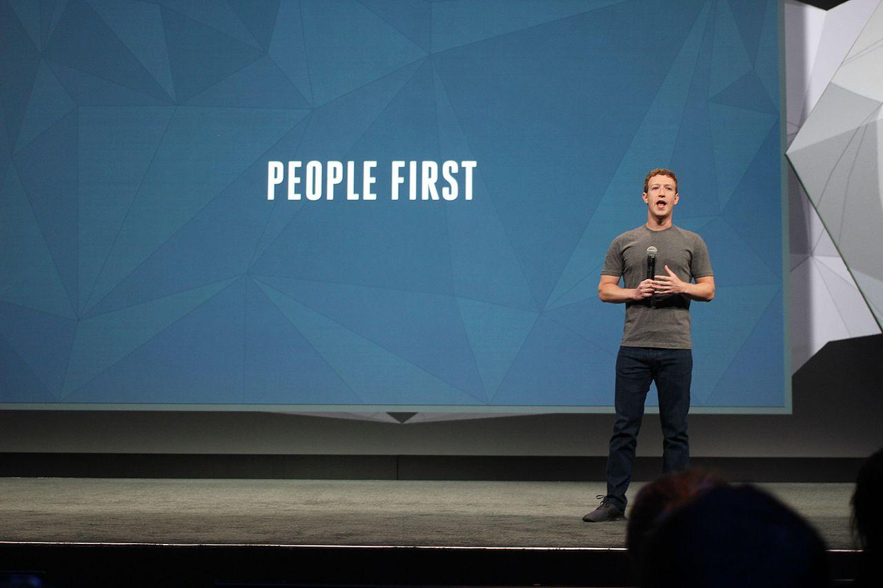 Mikor megosztasz egy cikket a Facebookon, mindenki megnézheti majd, hogy ki az írást megjelentető újság tulajdonosa