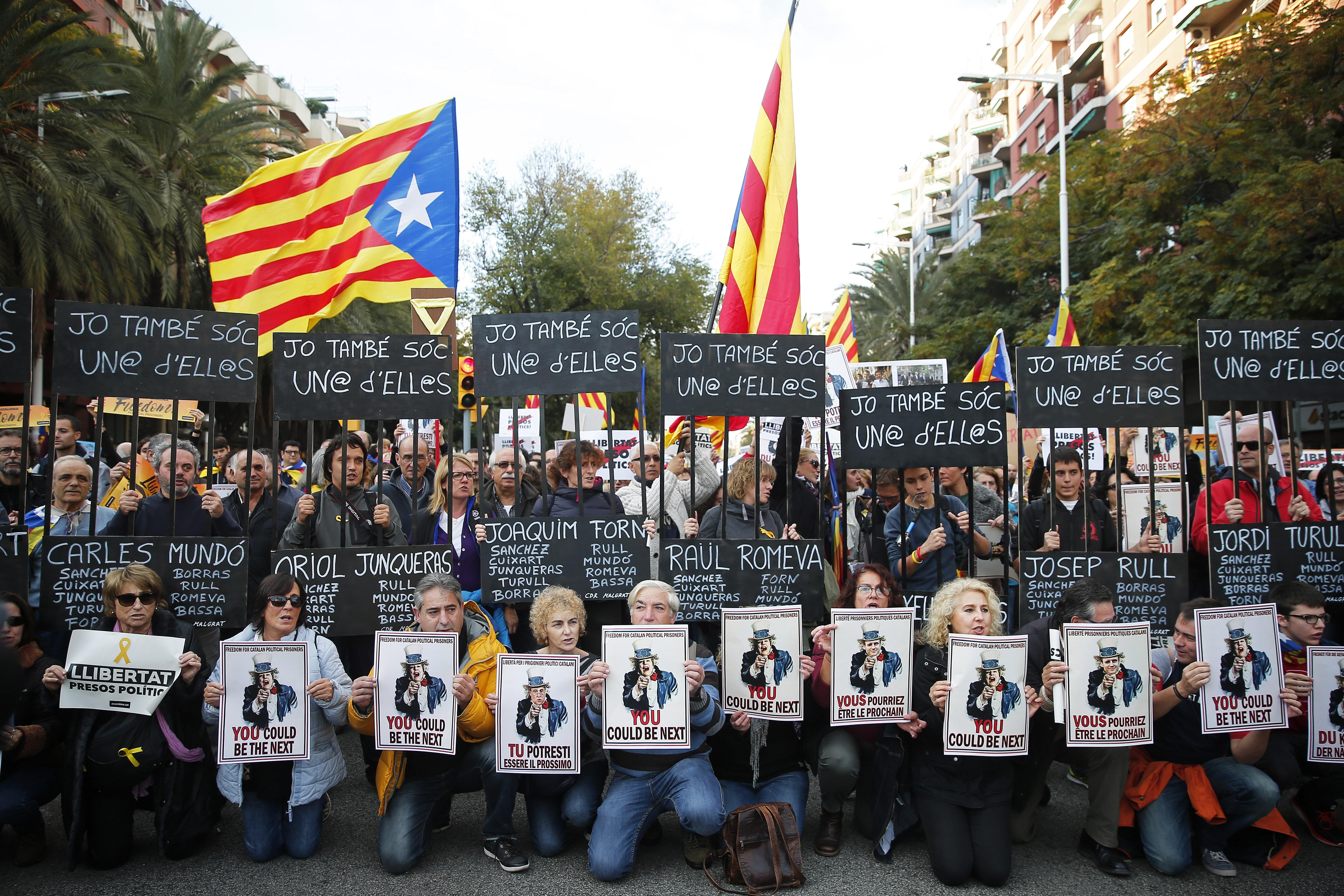 A spanyol miniszterelnök először megy Katalóniába a konfliktusok kirobbanása óta