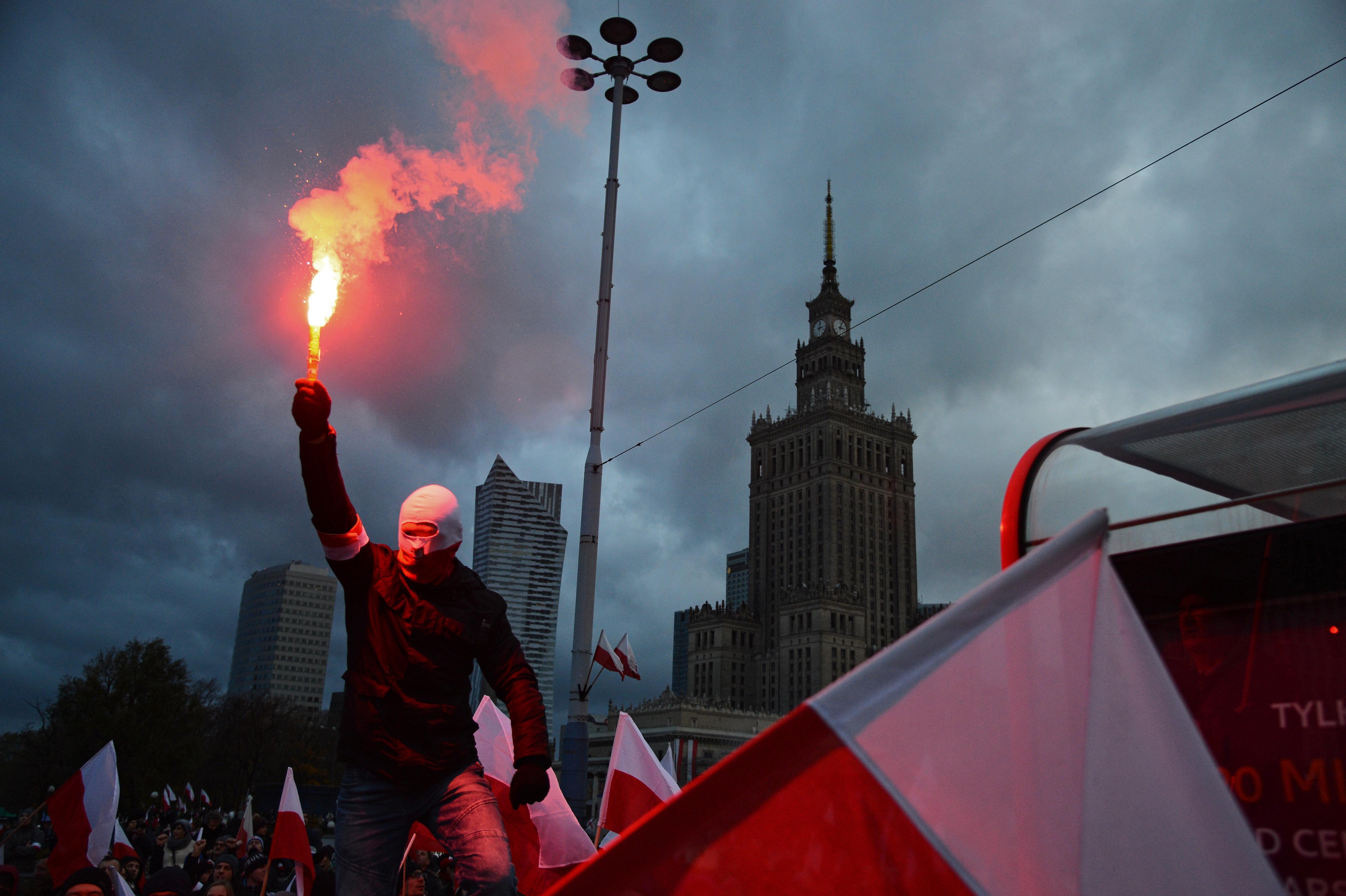 Erős képanyag a varsói nacionalisták vasárnapi vonulásáról