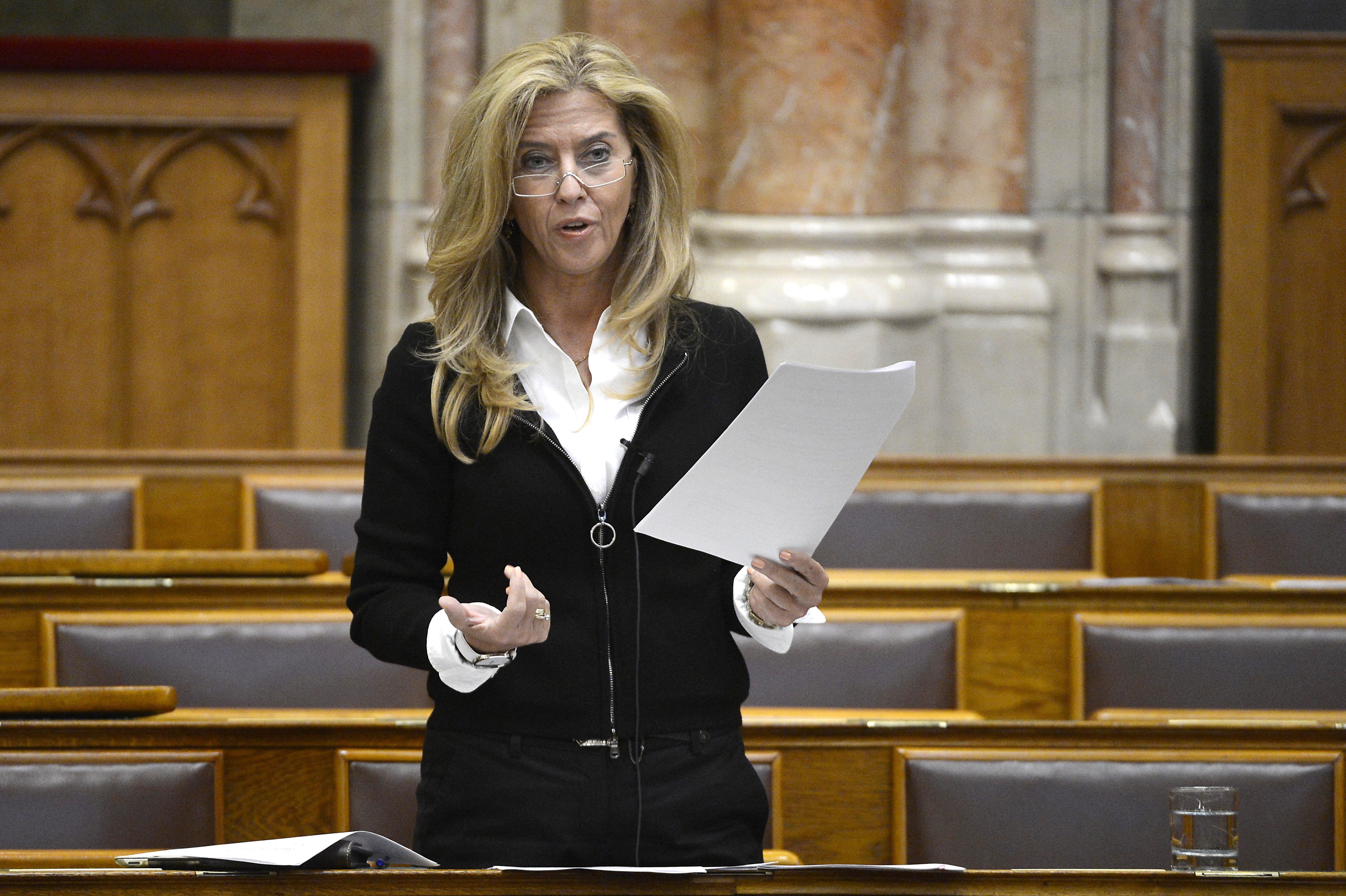 A Fidesz-KDNP nem ment el a népjóléti bizottság ülésére, így nem lehetett kérdezni a járvány elleni védekezésről