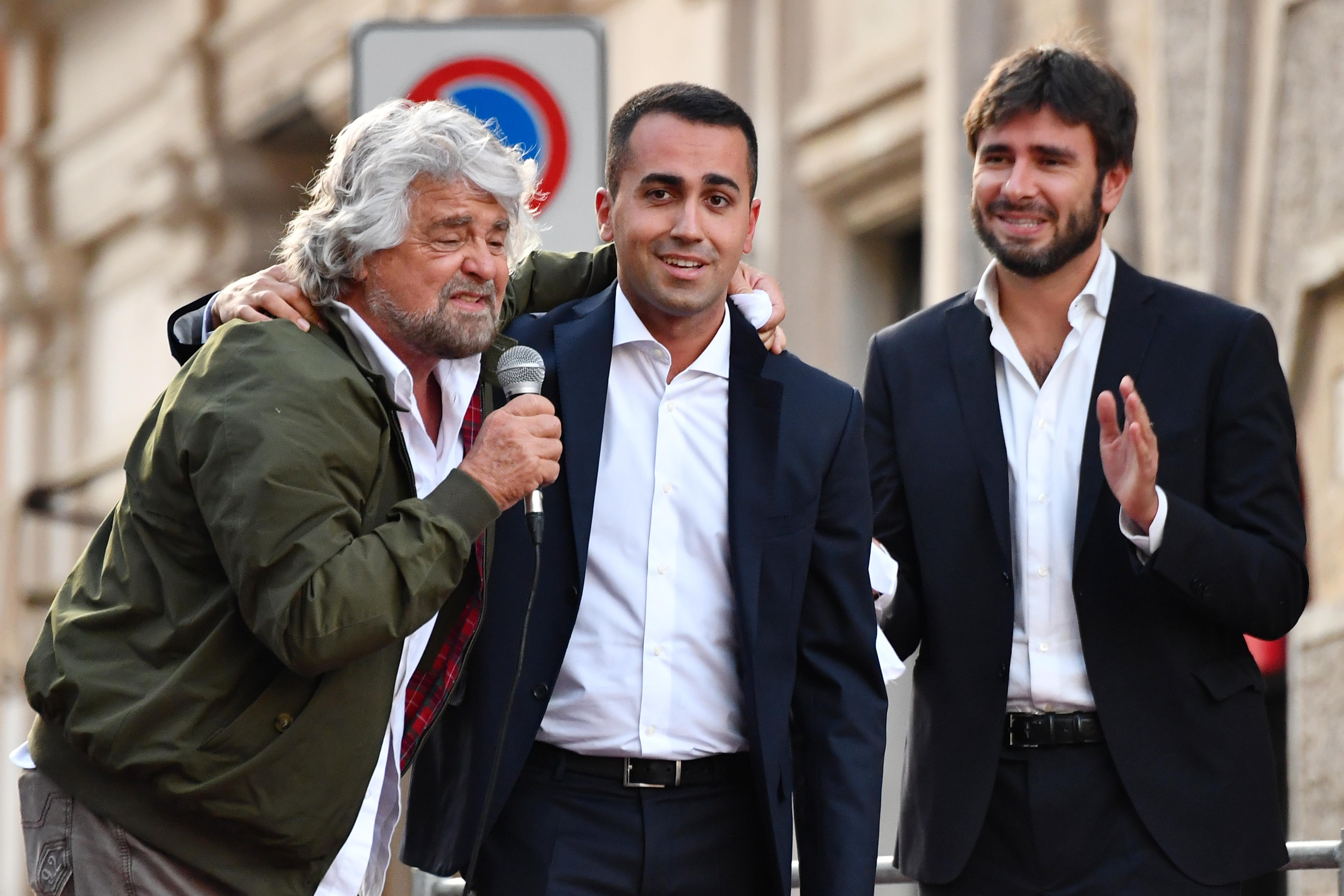 Egy 31 éves pincér akadályozhatja meg Berlusconi visszatérését
