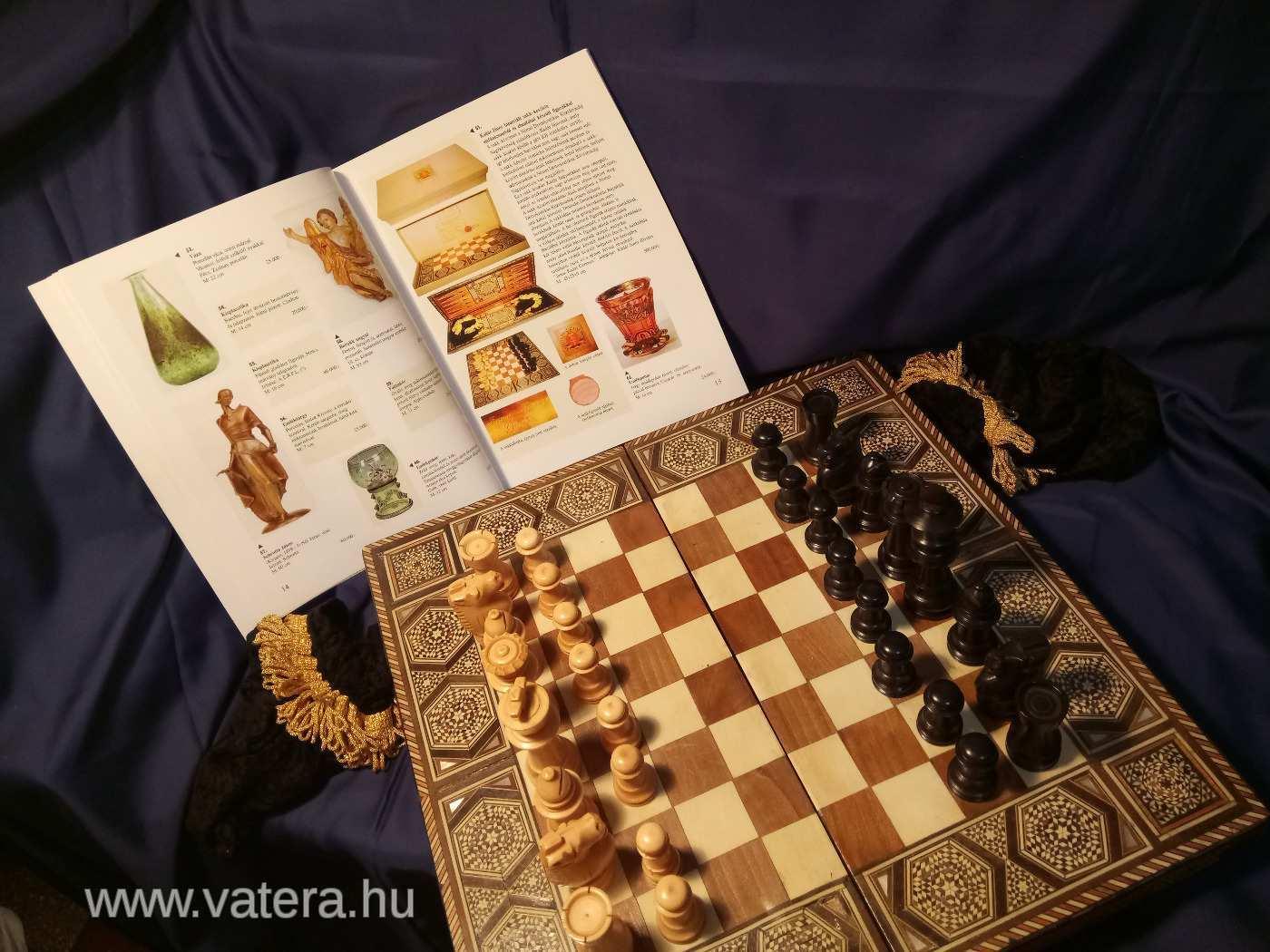 Eladó Kádár János sakk-készlete
