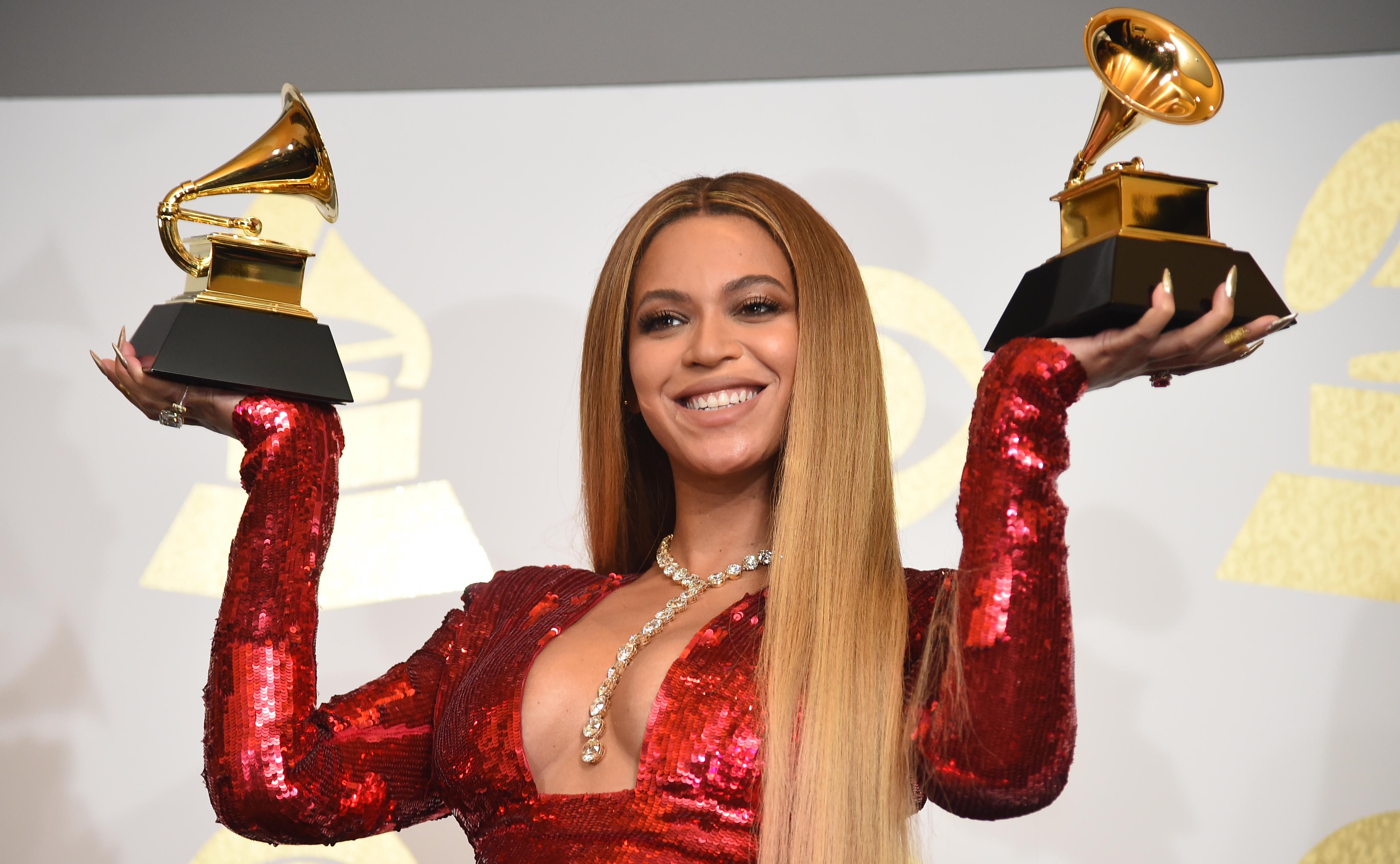 Elmarad a Grammy-gála