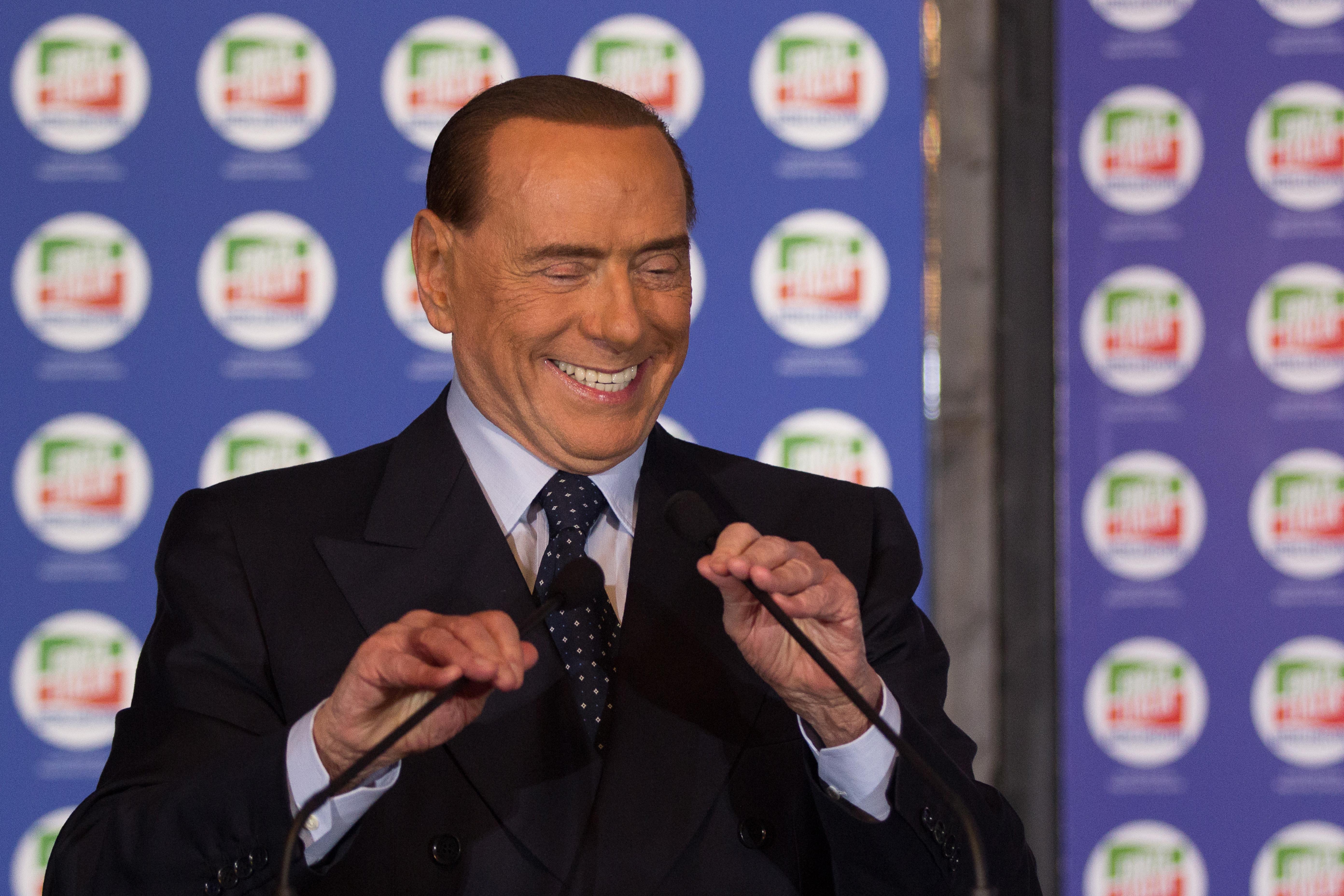Berlusconi az emberi jogi bírósághoz fordul, hogy újra indulhasson a választásokon