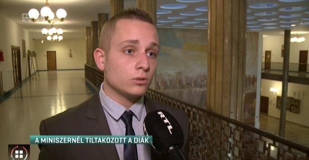 Egy érettségire készülő diák kérdezte fel Balog minisztert Magyarország rémes PISA-eredményei miatt
