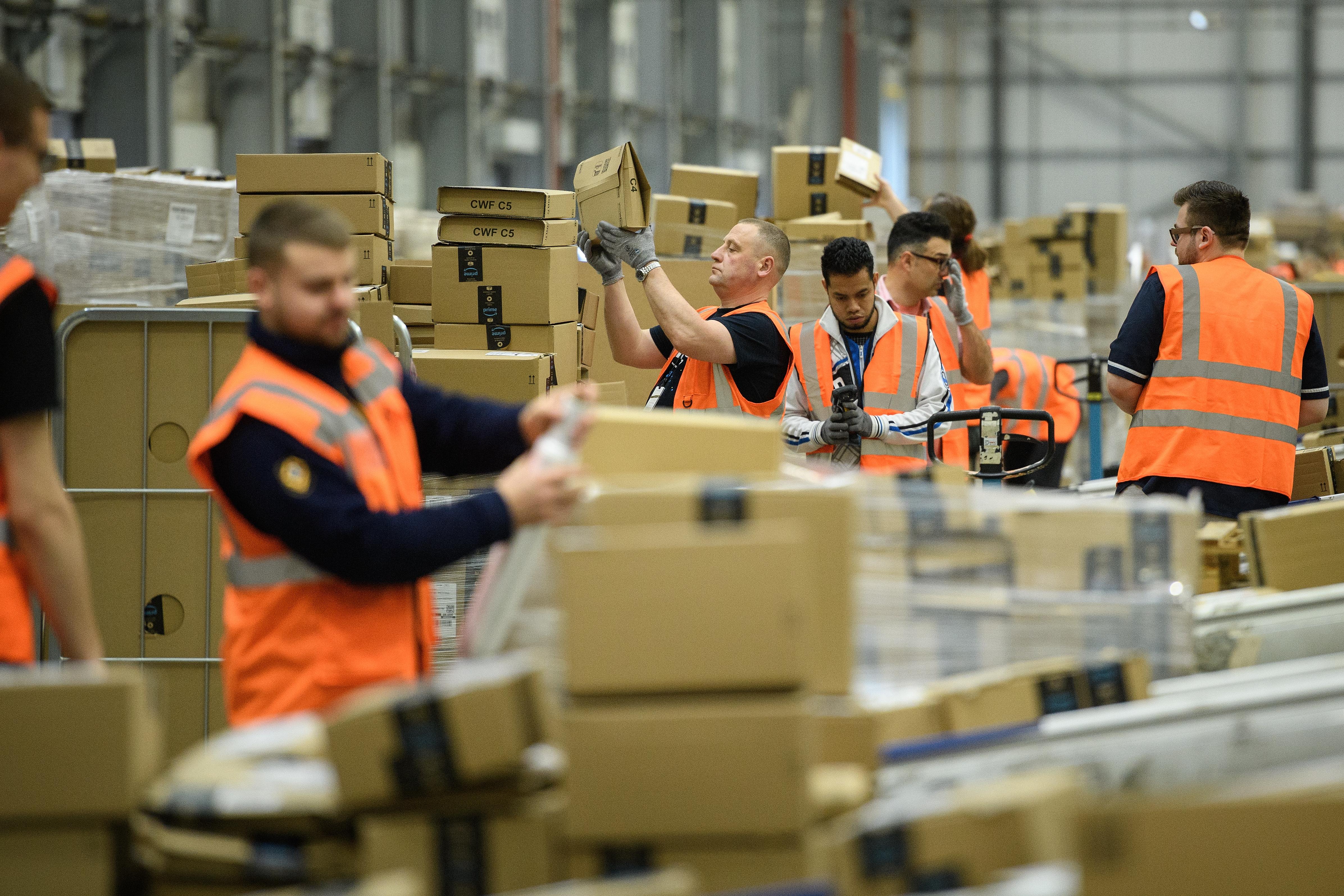 Rekordbevételt hozott össze, de egy cent társasági adót sem fizetett Európában az Amazon