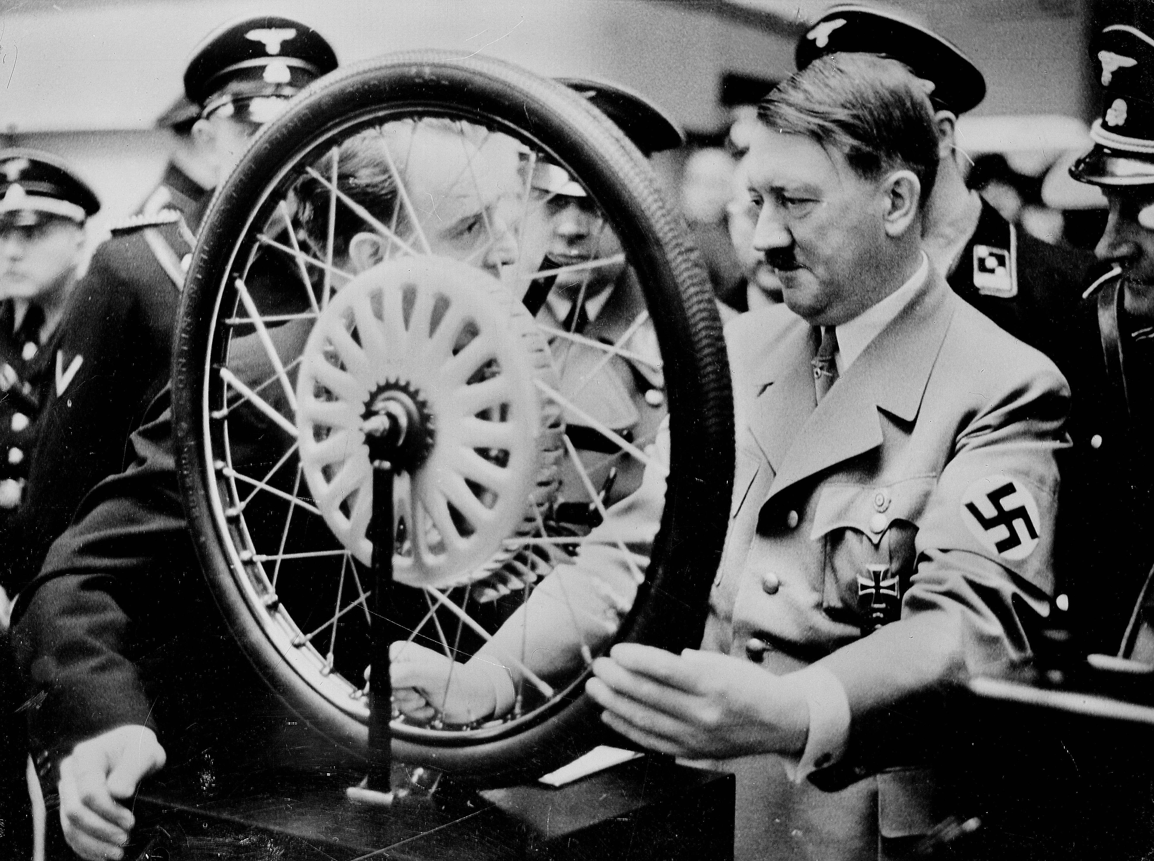 A Közel-Kelet Hitlerének nevezte az iráni ajatollahot a szaúdi koronaherceg