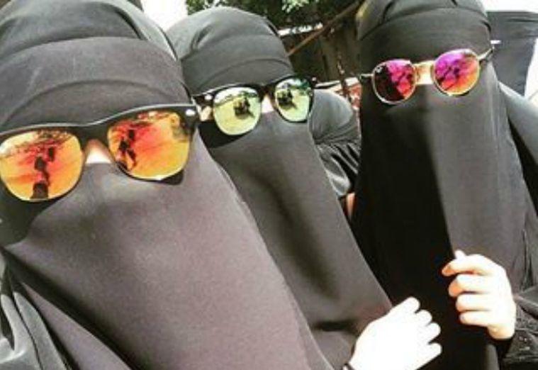 Québecben a napszemüvegeket is betiltották, pedig a fejkendő viselését akarták korlátozni