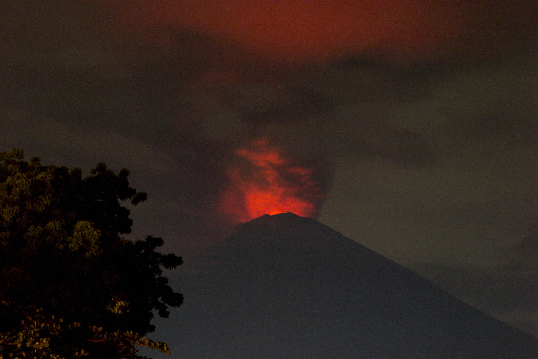 Legmagasabb fokúra emelték a vulkánriadót Balin