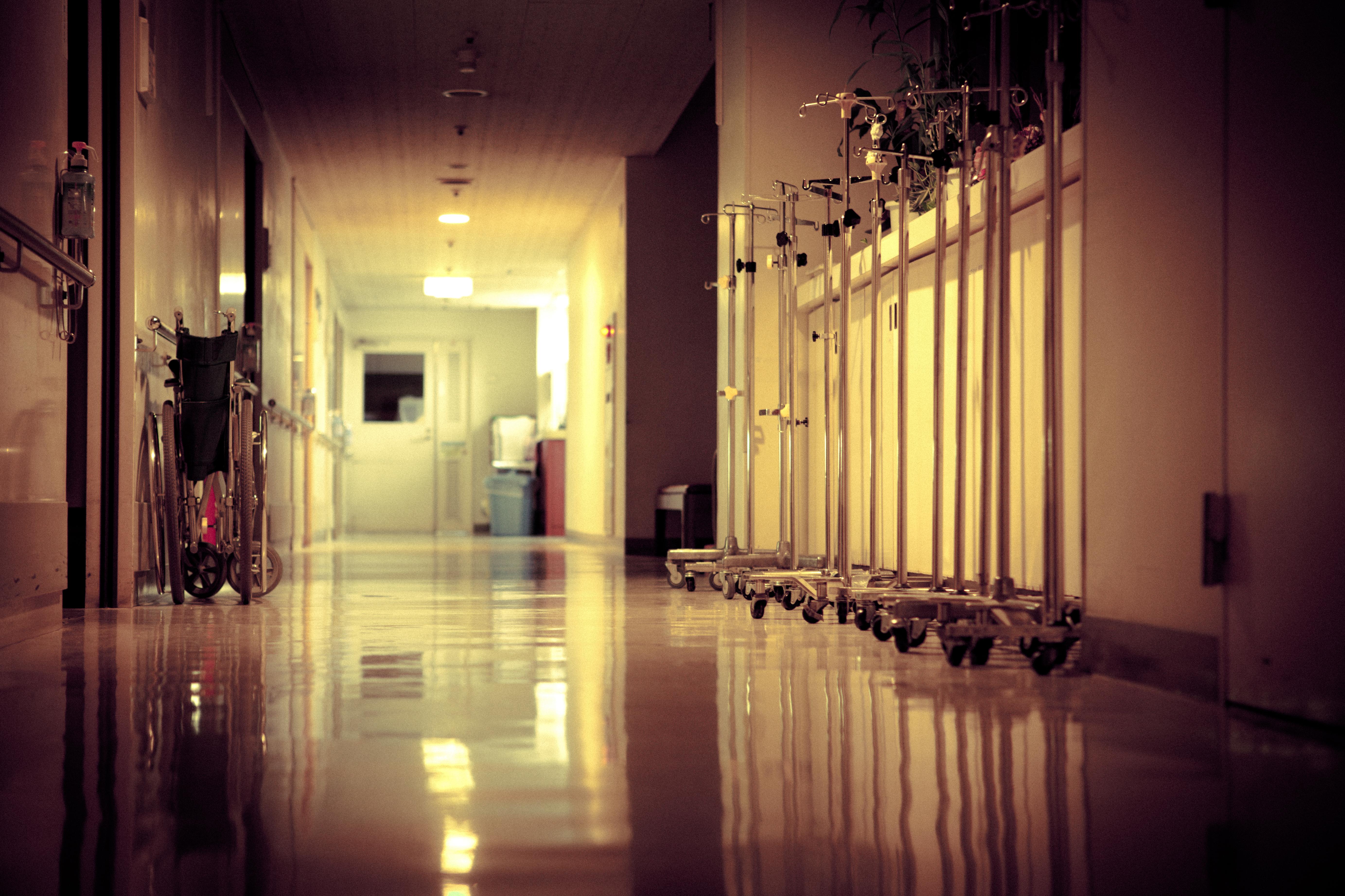 A rendőrök vesztegetés gyanújával hallgatták ki egy budapesti kórház főápolóját