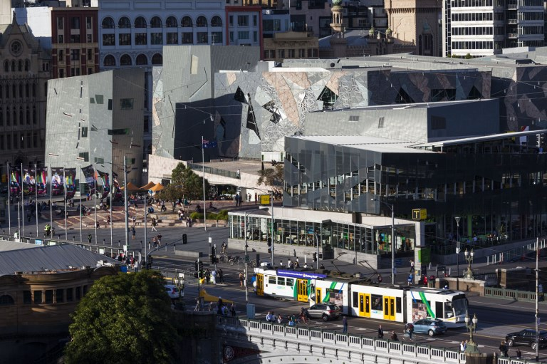 Lecsuktak egy embert, aki szilveszterkor a tömegbe akart lőni Melbourneben