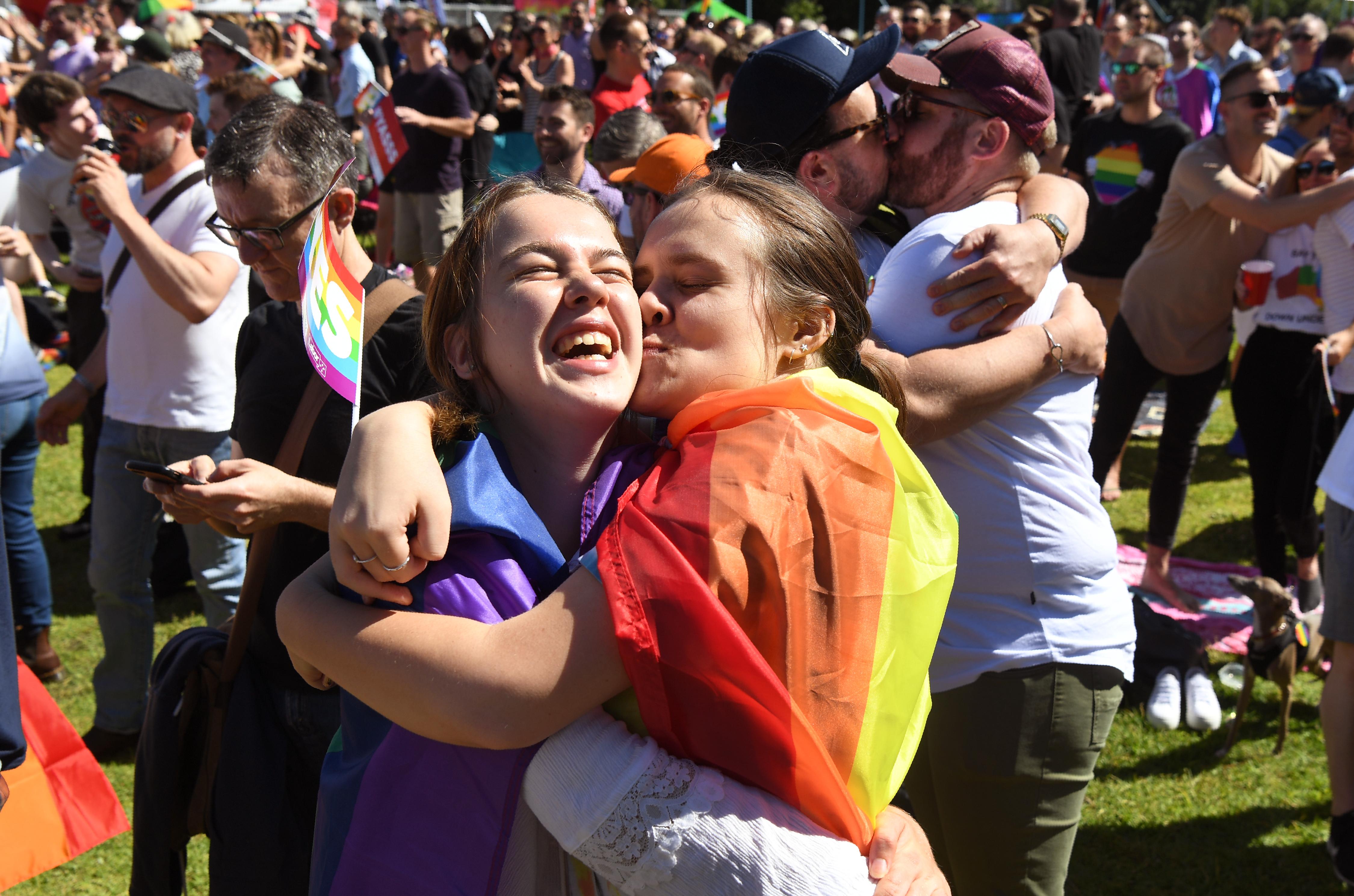 Pénteken házasodott össze az első azonos nemű pár Ausztriában