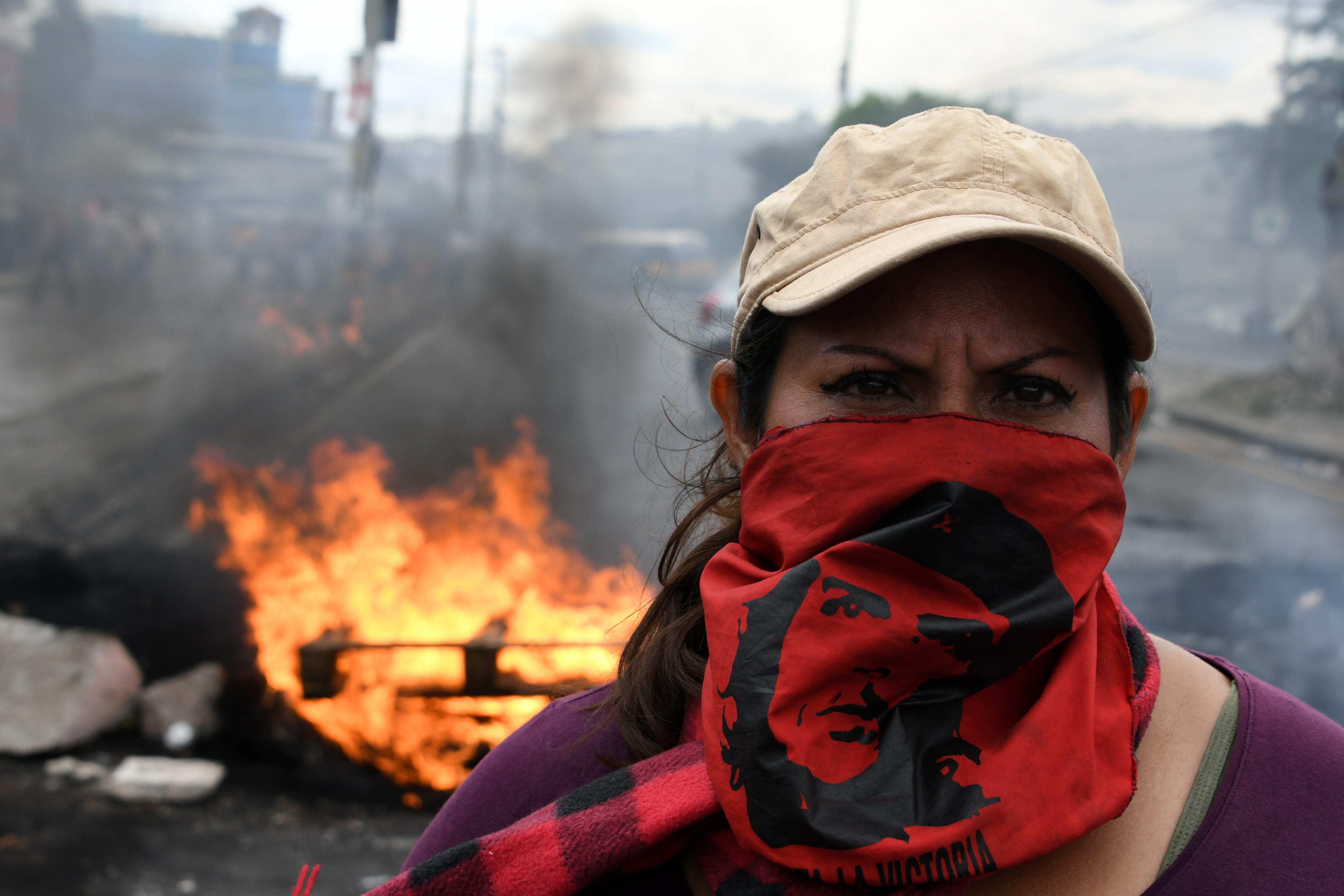 Rendkívüli állapotot vezettek be Hondurasban, hogy megfékezzék az elnökválasztás után elszabadult zavargásokat