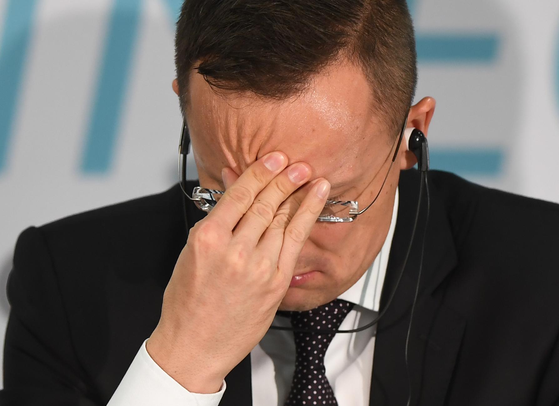 Szijjártó rajtamaradt a választási kampányon: ezt a Soros-tervet küldte el az osztrák államfőnek