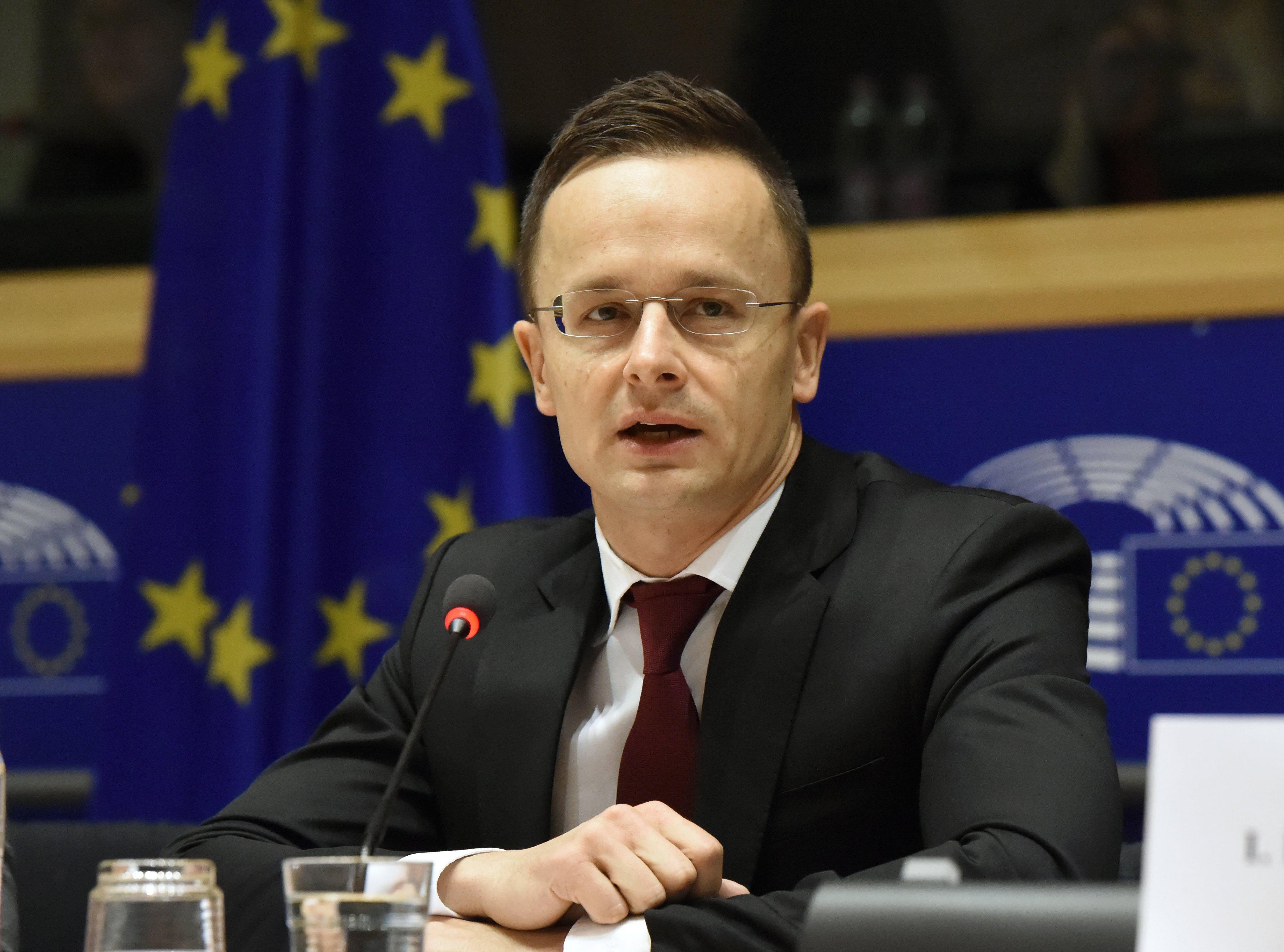 A magyar diplomácia vezetője a luxemburgi külügyminiszterről: ostoba ember, akinek agymenései vannak