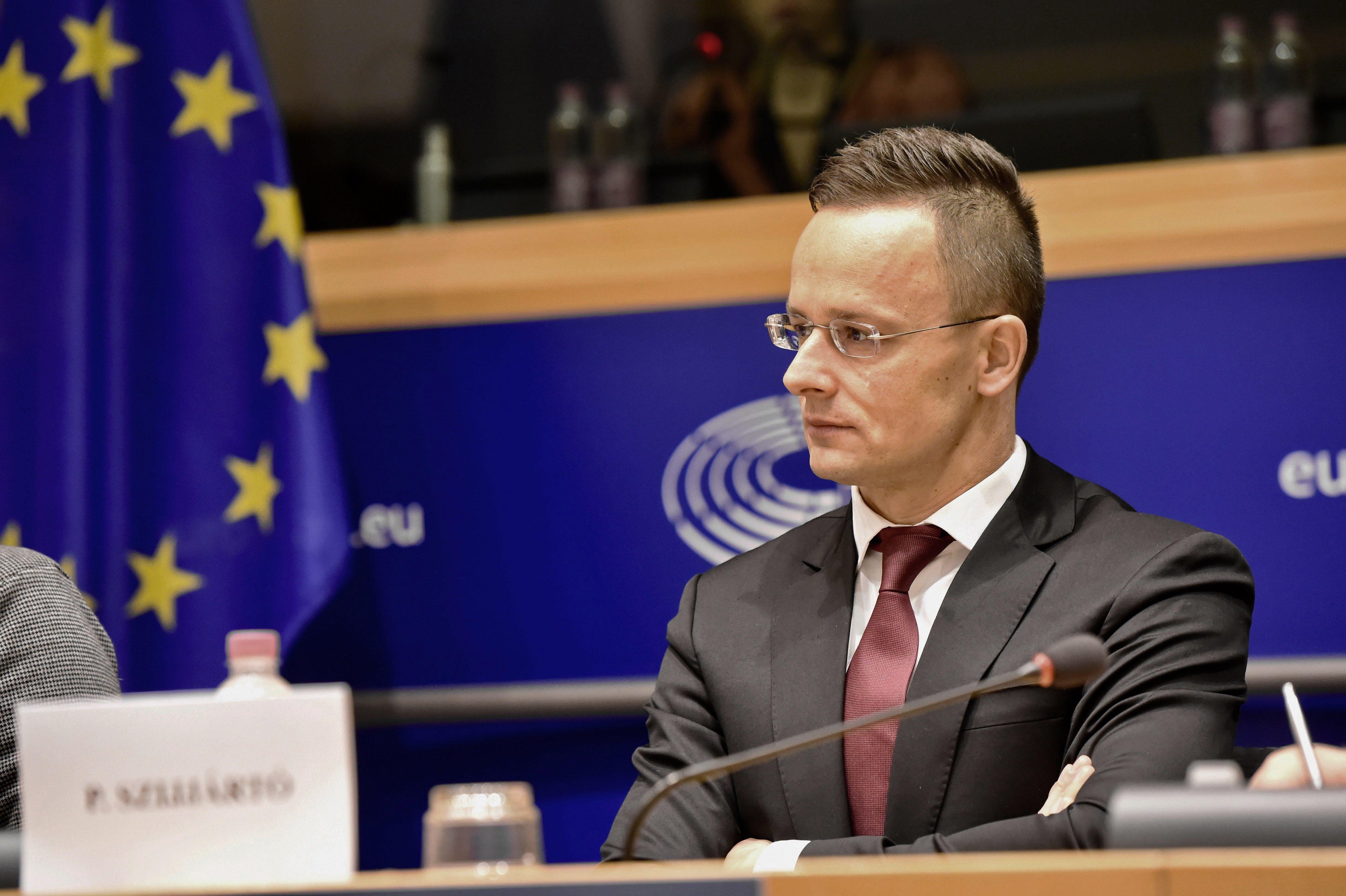 EP-meghallgatás: a Fidesz itthon Soros-vérpadozik, Brüsszelben józan vitát kér