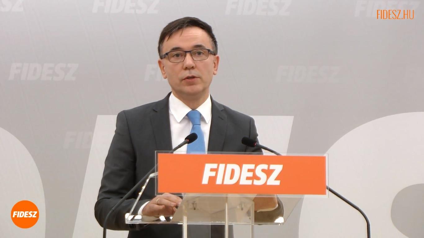 """""""Ízlés dolga, hogy ezen ki tud nevetni, és ki az, aki nem tud nevetni"""" – értékelte a Fidesz a képviselője Soros-disznózását"""